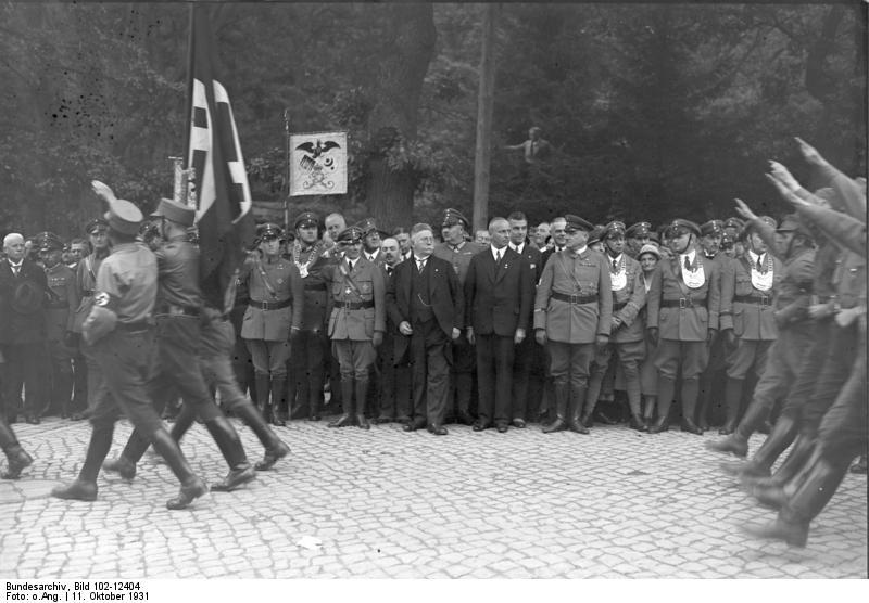 File:Bundesarchiv Bild 102-12404, Bad Harzburg, Aufmarsch der nationalen Opposition.jpg