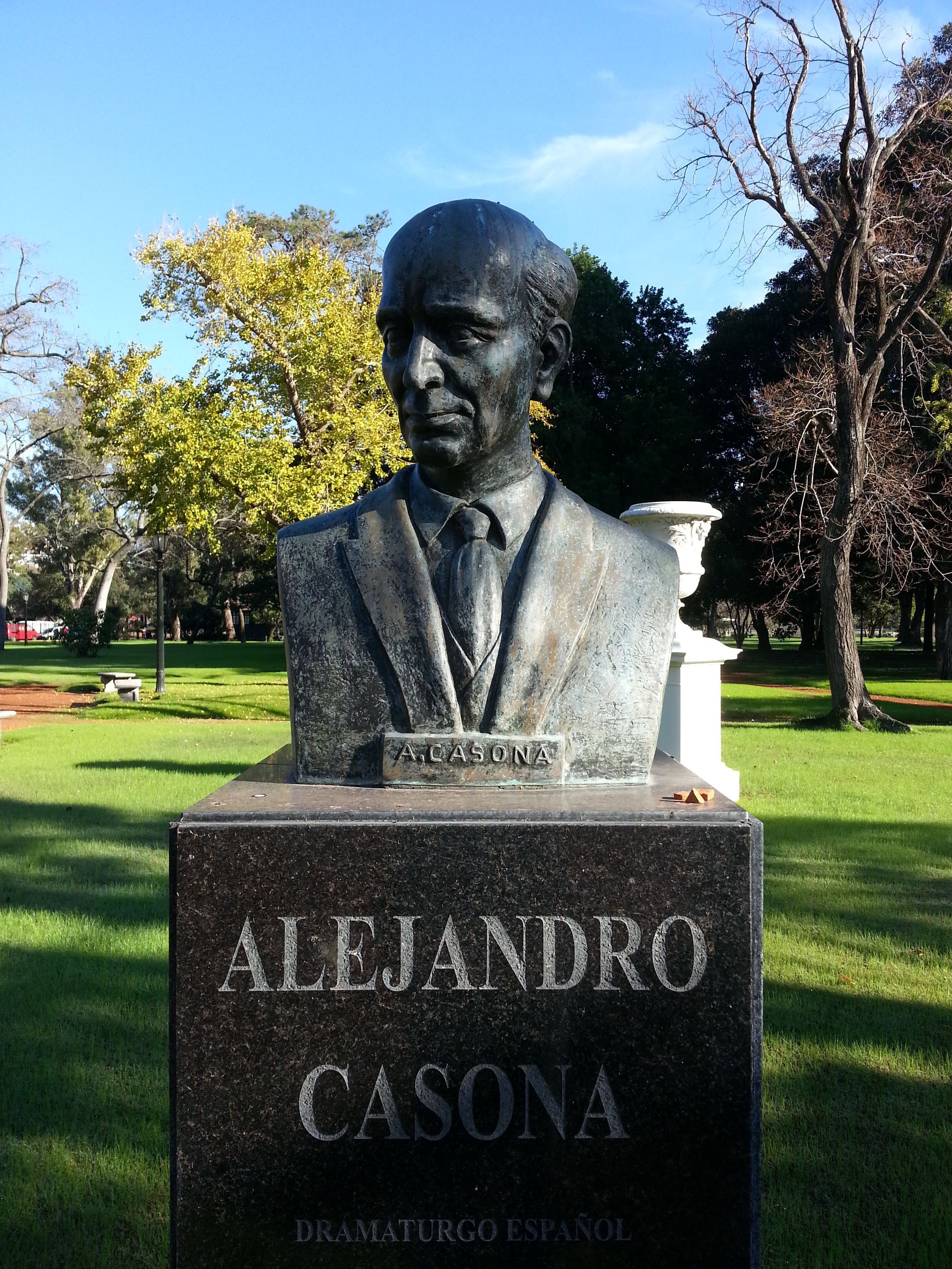 Bust of Alejandro Casona. Paseo de los Poetas, El Rosedal, [[Buenos Aires]].