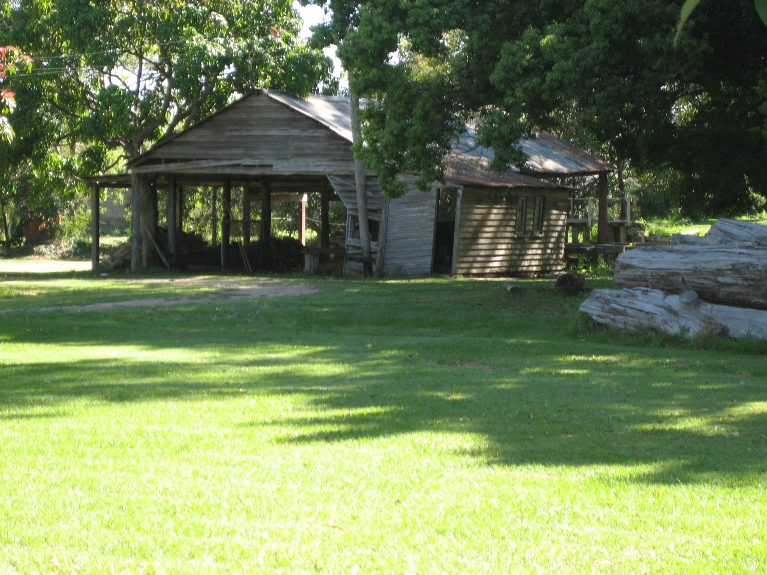 File:Cabbage Tree Creek Sawmill JPG - Wikimedia Commons