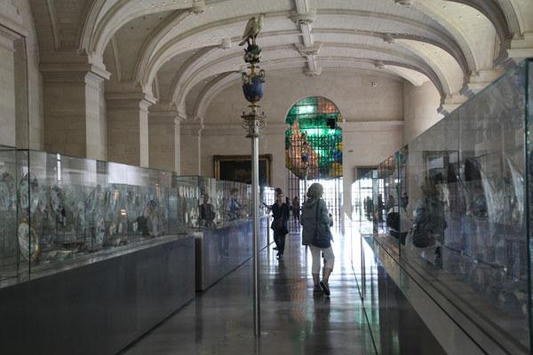 File:Ceramics gallery, Museum of Fine Arts, Lille.jpg
