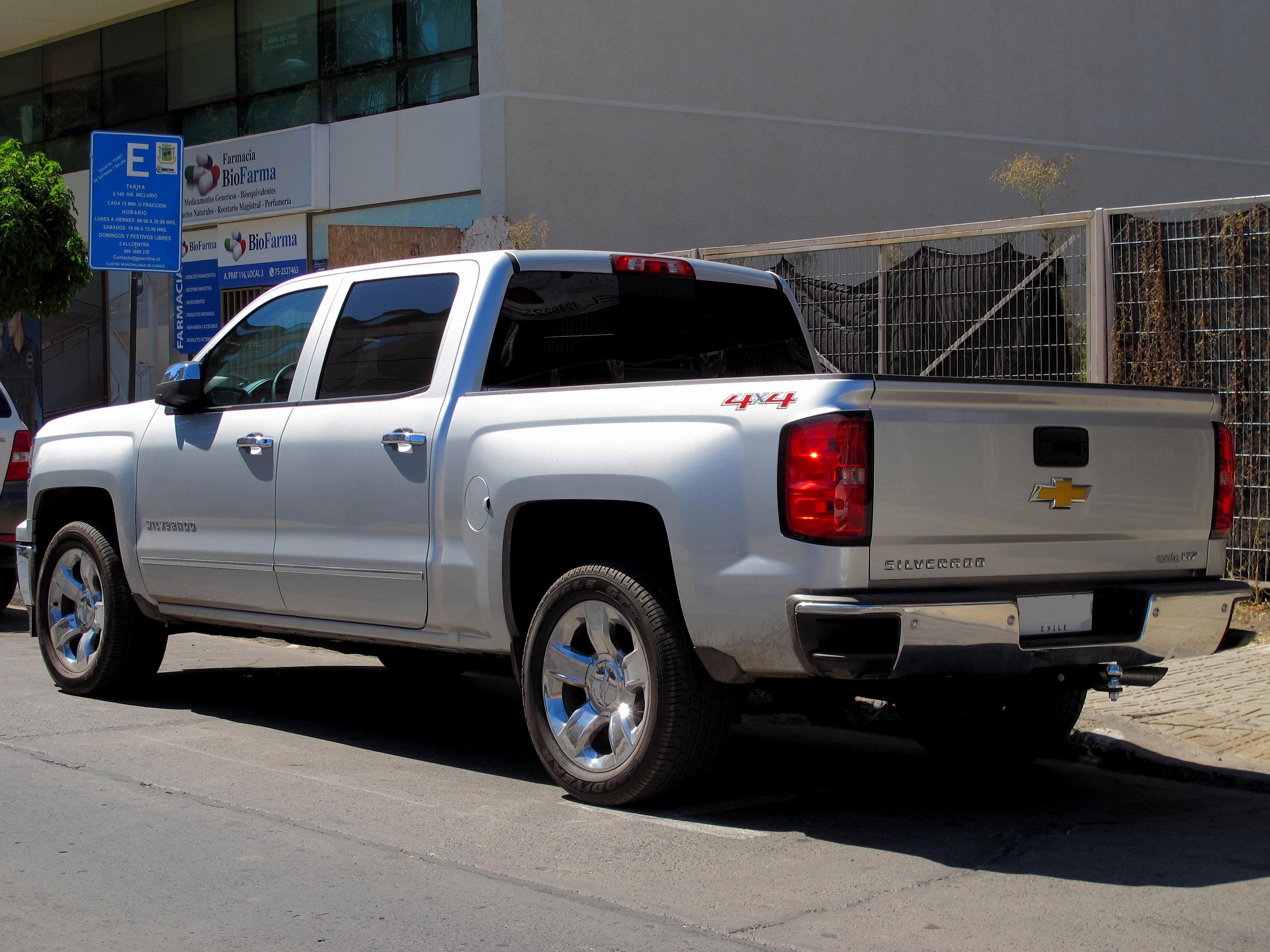 File Chevrolet Silverado Ltz Crew Cab 4x4 2015