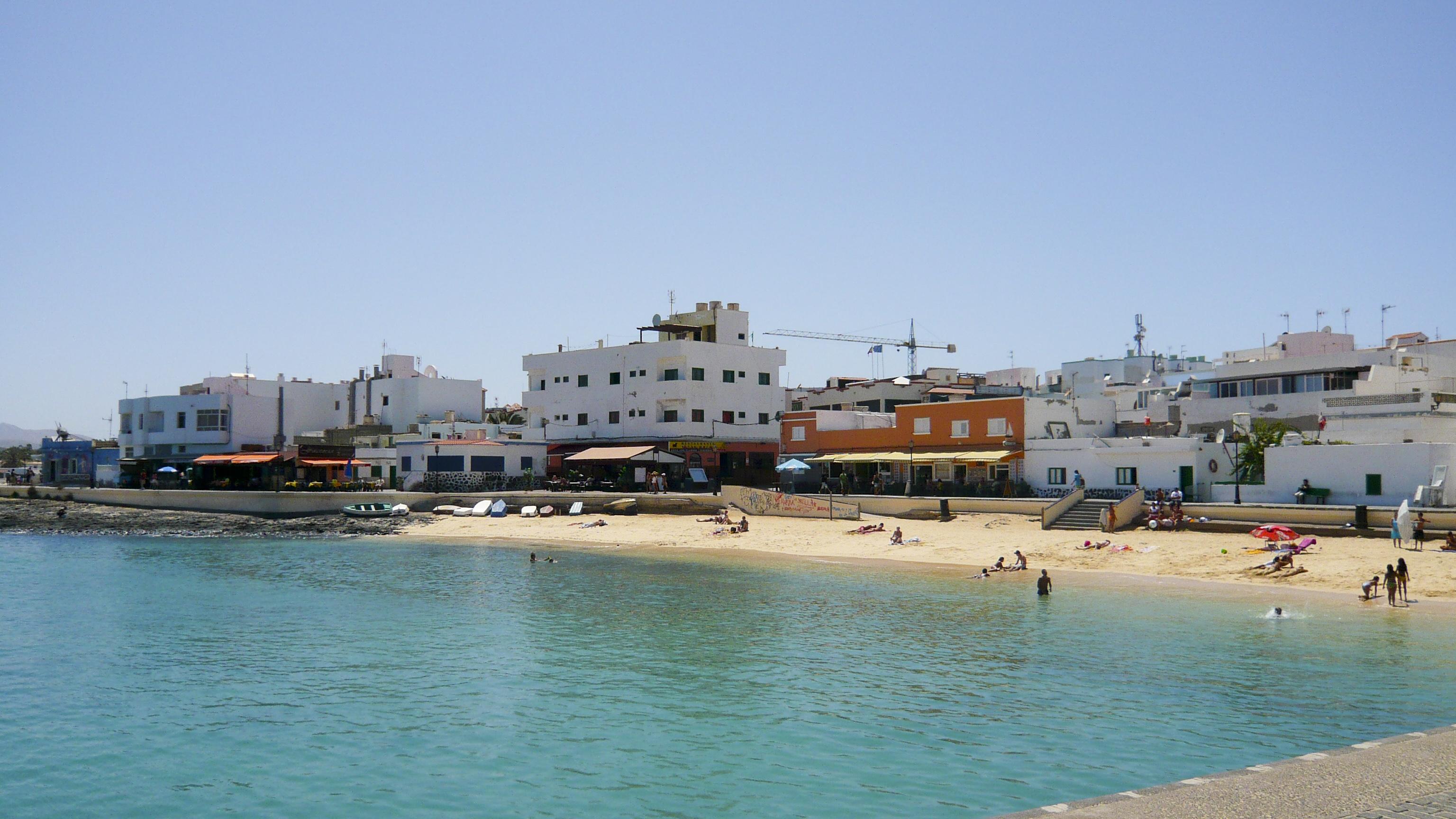 File:Corralejo Town Beach (2855473627).jpg - Wikimedia Commons