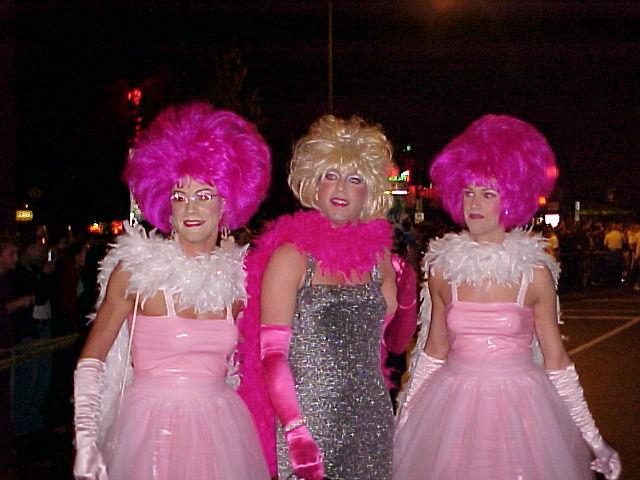 File:Drag Queens at High Heel Drag Race.jpg