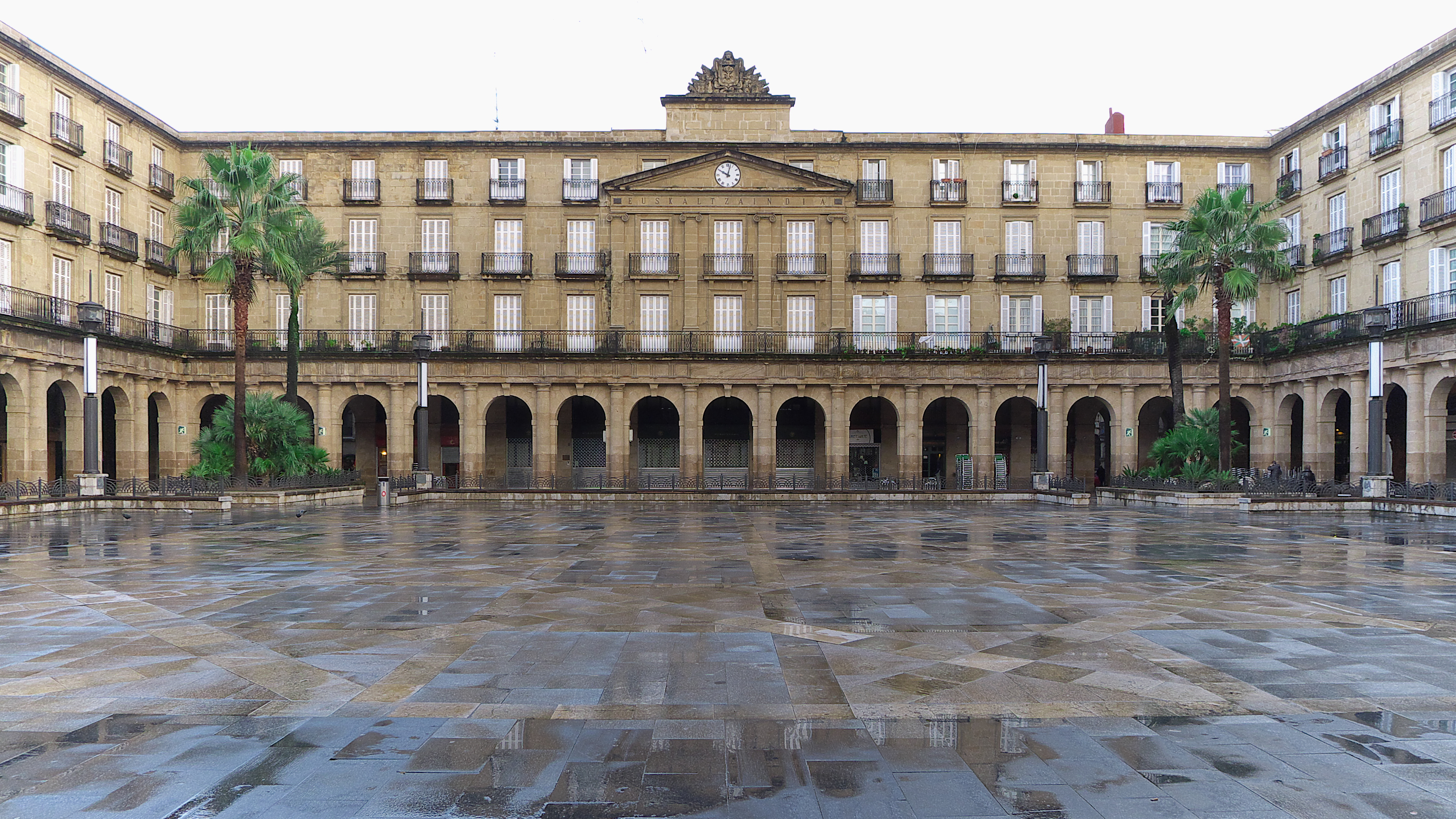 Plaza Nueva (Bilbao) - Wikipedia, la enciclopedia libre