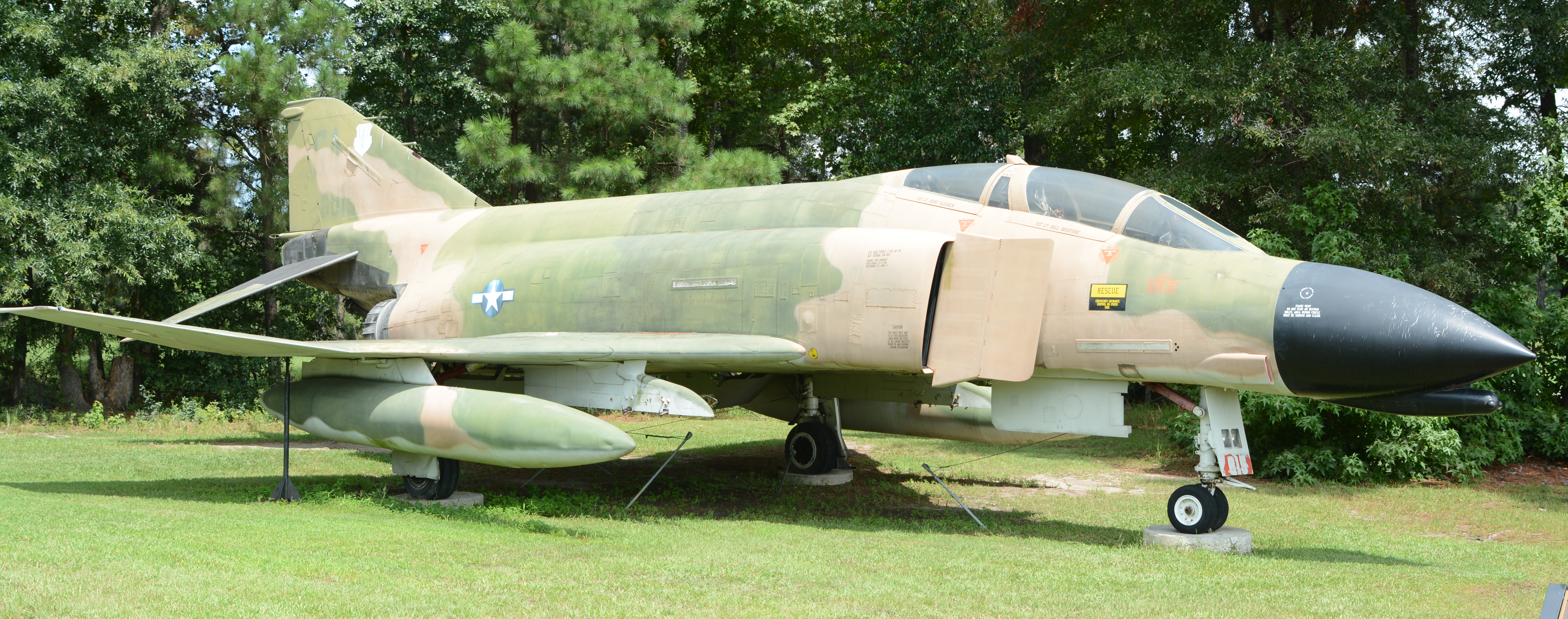 FileF Phantom At Mighty Th Air Force Museum Pooler GA USjpg - Air force museums in us