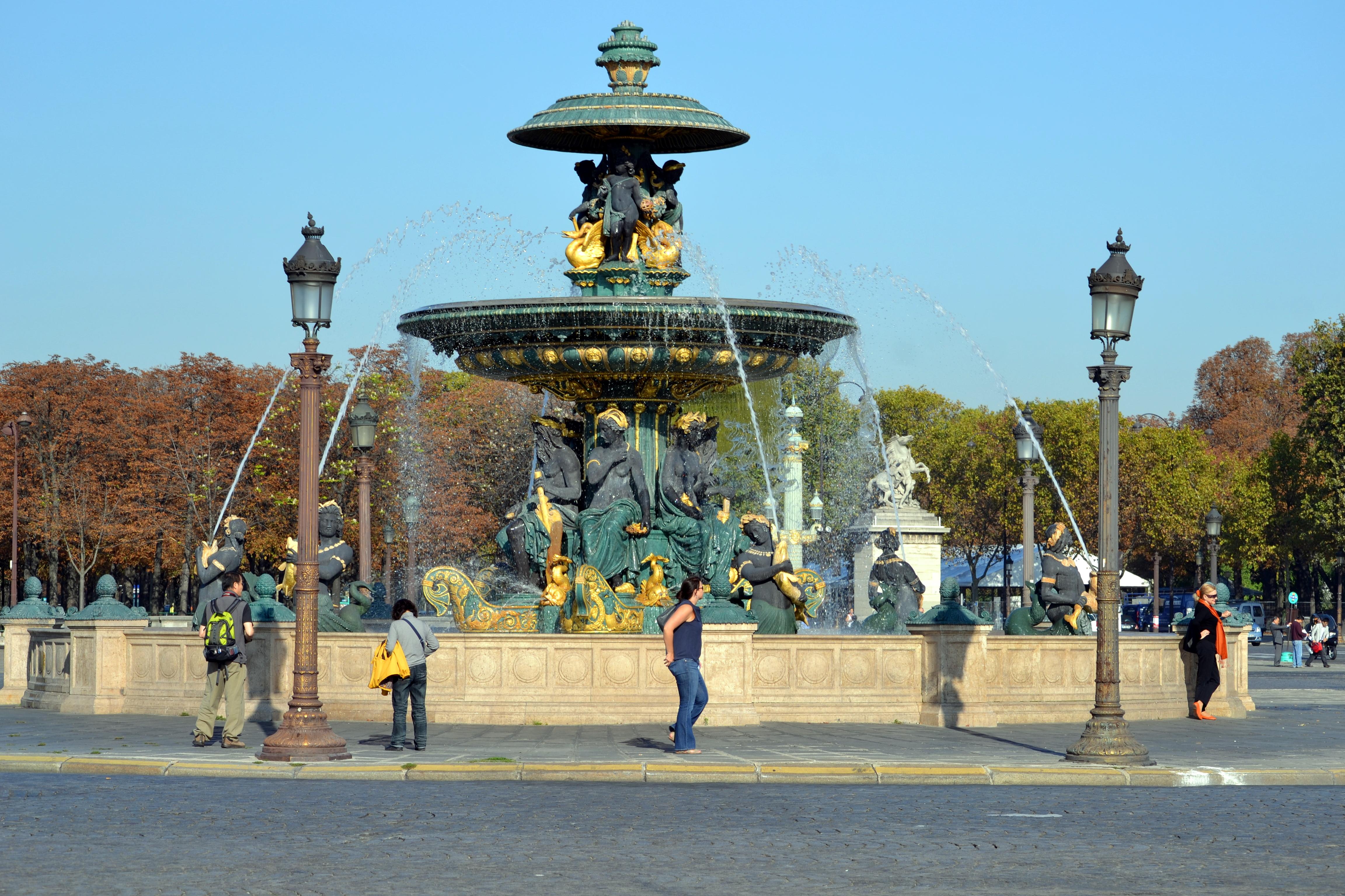 File fontaine des mers september 24 wikimedia commons - Les encombrants de paris ...