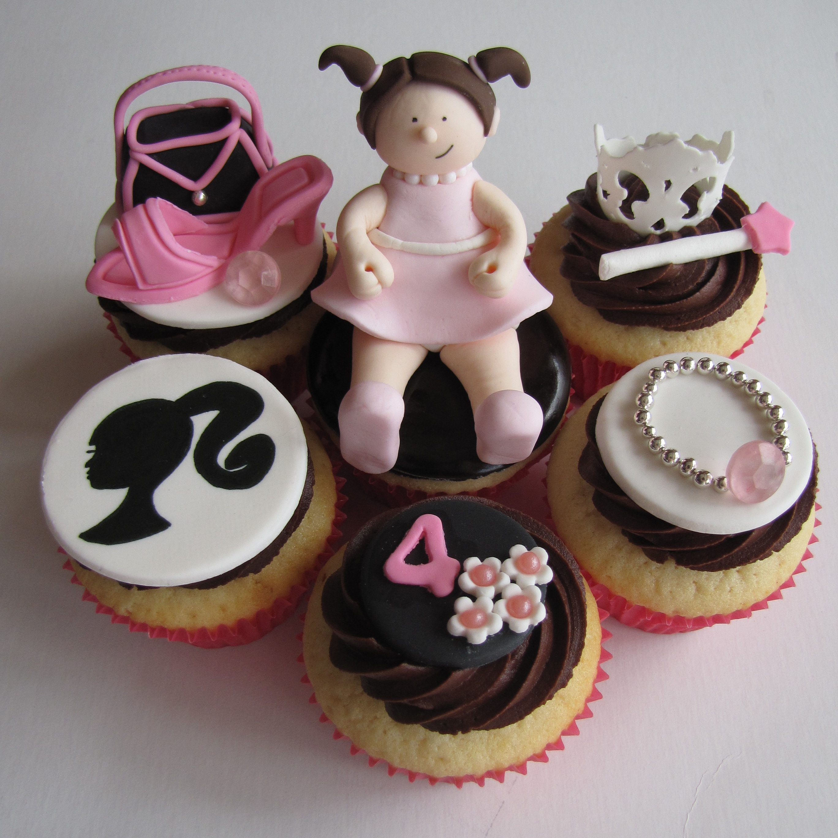 FileGirly Birthday Cupcakes 4726405856