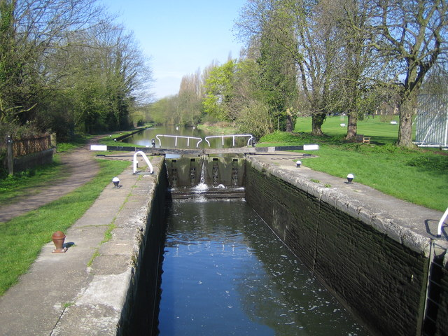 Grand Union Canal, Boxmoor Bottom Lock - geograph.org.uk - 156627