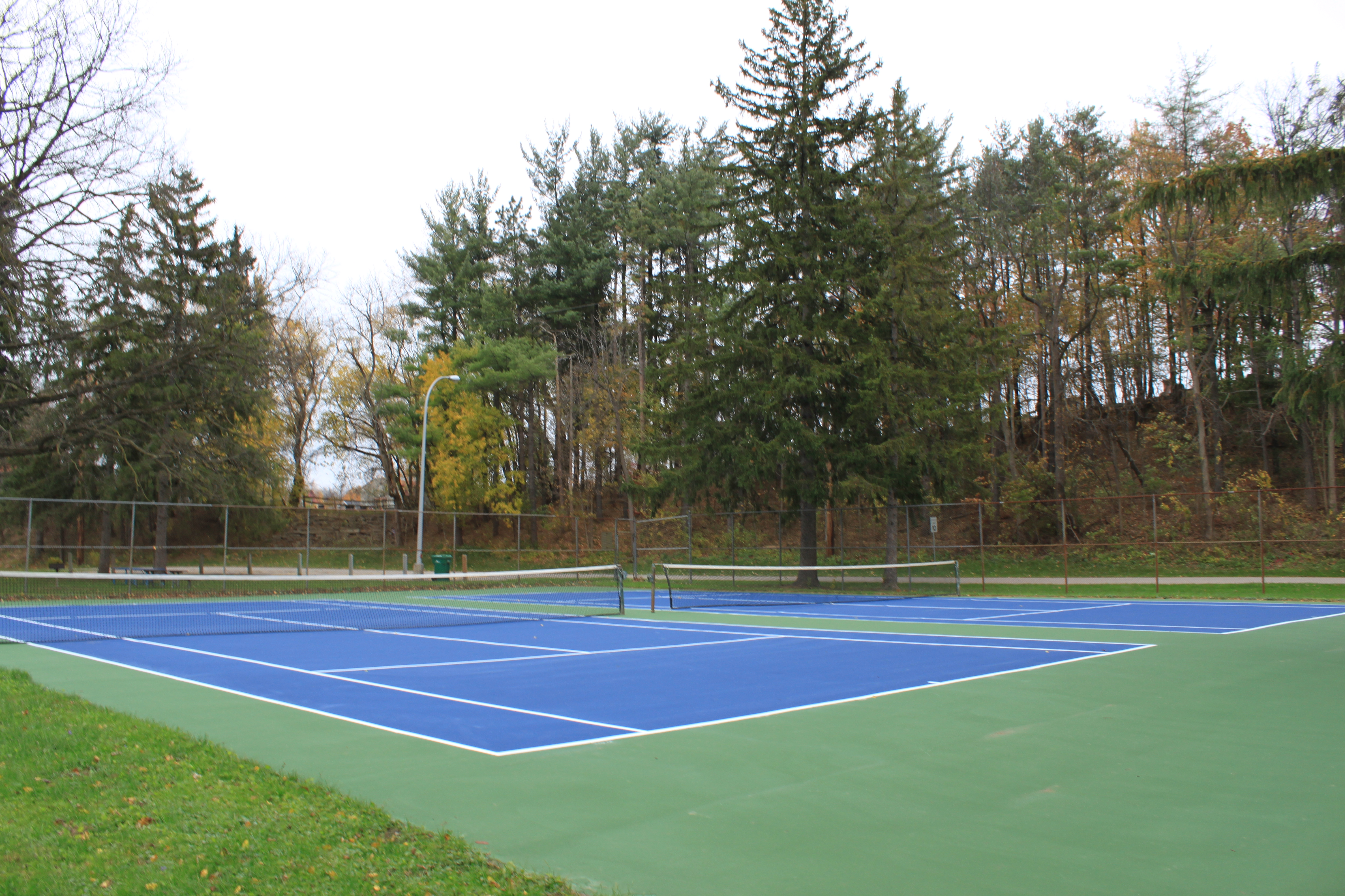 Ficheiro Hardcourt Tennis Court Curtiss Park Saline Michigan Jpg Wikipedia A Enciclopedia Livre