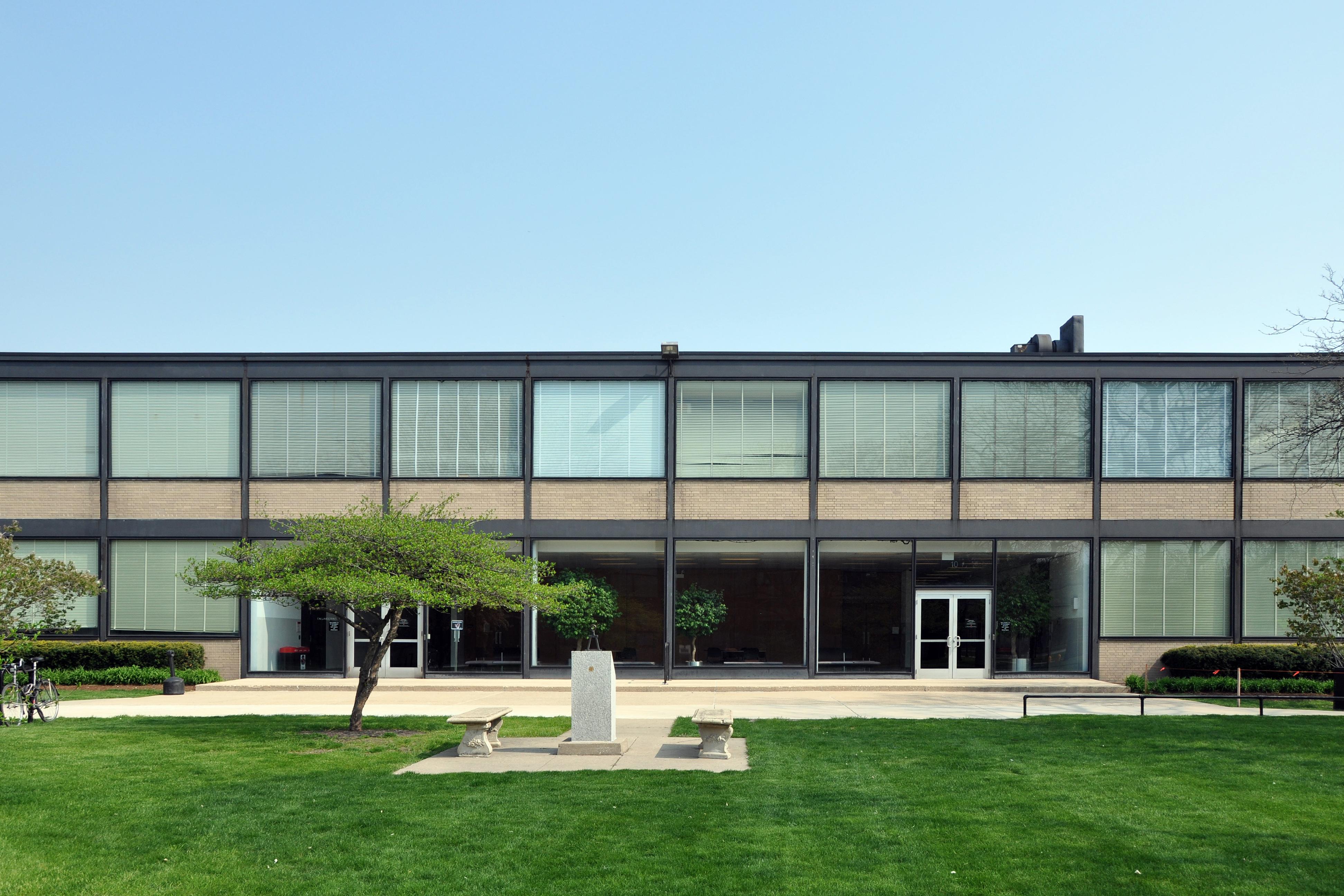 Villa tugendhat arkitalker mies van der rohe - Mies Van Der Rohe Alumni Memorial Hall At Illinois Institute Of Technology Chicago 1944 45 Mies Van Der Rohe Pinterest Wood Architecture