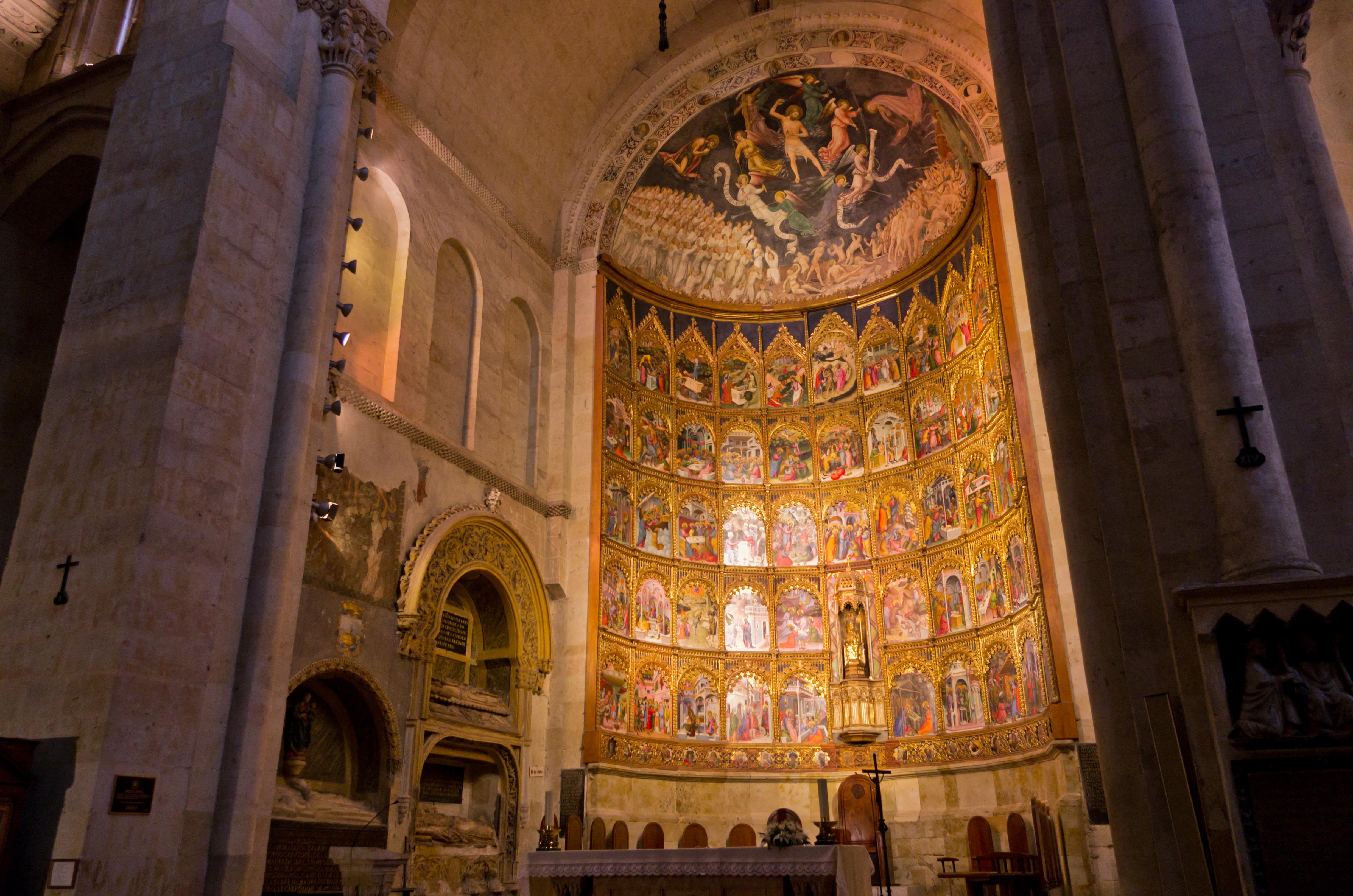 File:Interiores de la Catedral Vieja de Salamanca 4.jpg ...