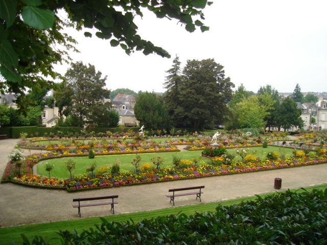 File jardin des plantes le mans jpg wikimedia commons for Jardin les plantes