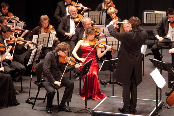 File:Jersey Chamber Orchestra - Nicola Benedetti and Alexander Sitkovetsky.jpg
