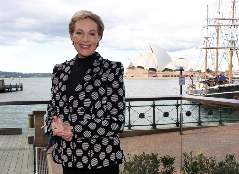 File:Julie Andrews (8742617433).jpg - Wikimedia Commons
