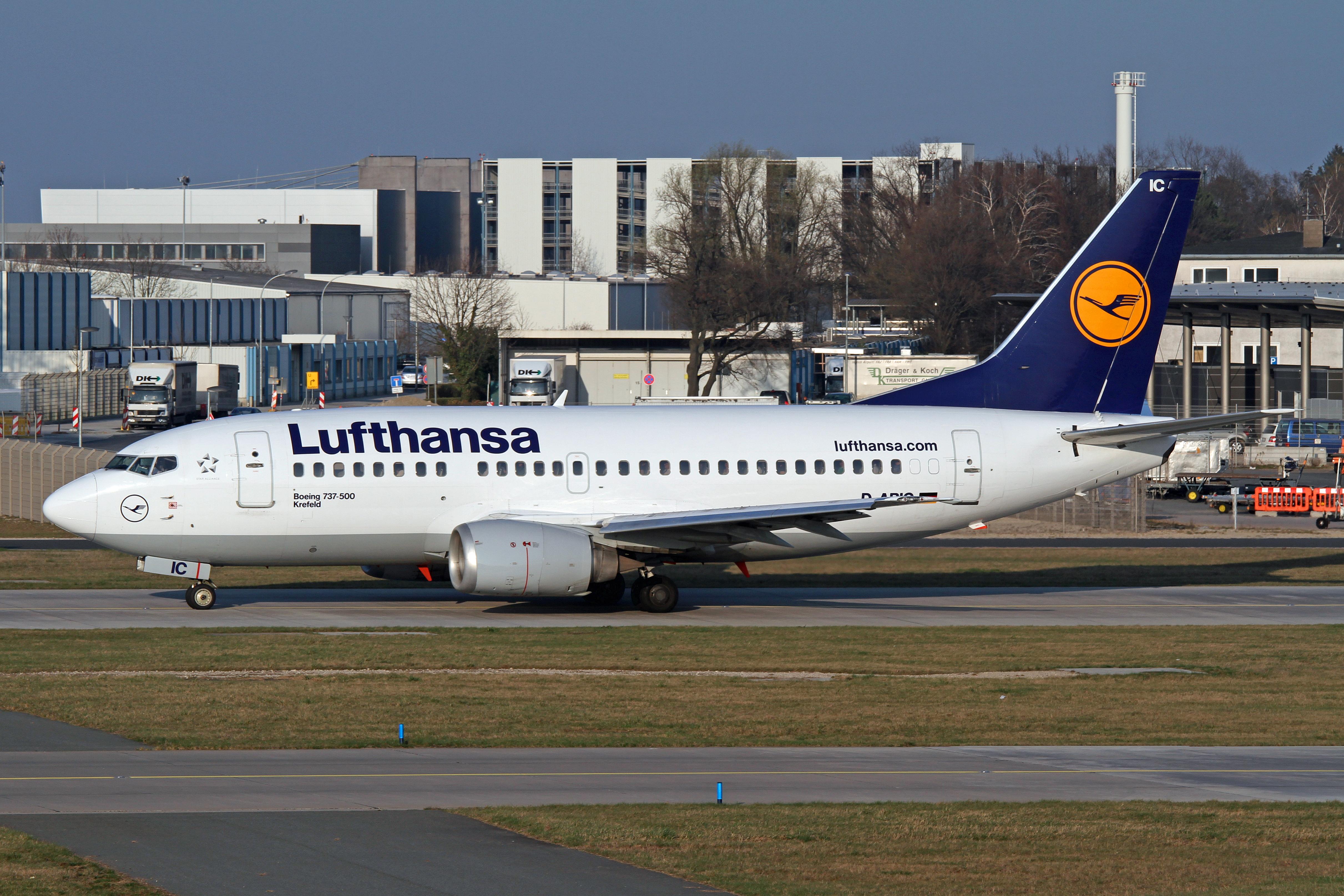 Lufthansa Boeing 737-500 Re-Upload [Details Added ...