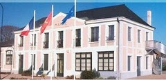 Mairie de Saint-Pierre-de-Manneville.jpg