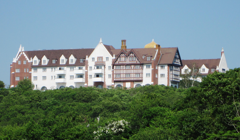 File Montauk Manor From Train Station Jpg