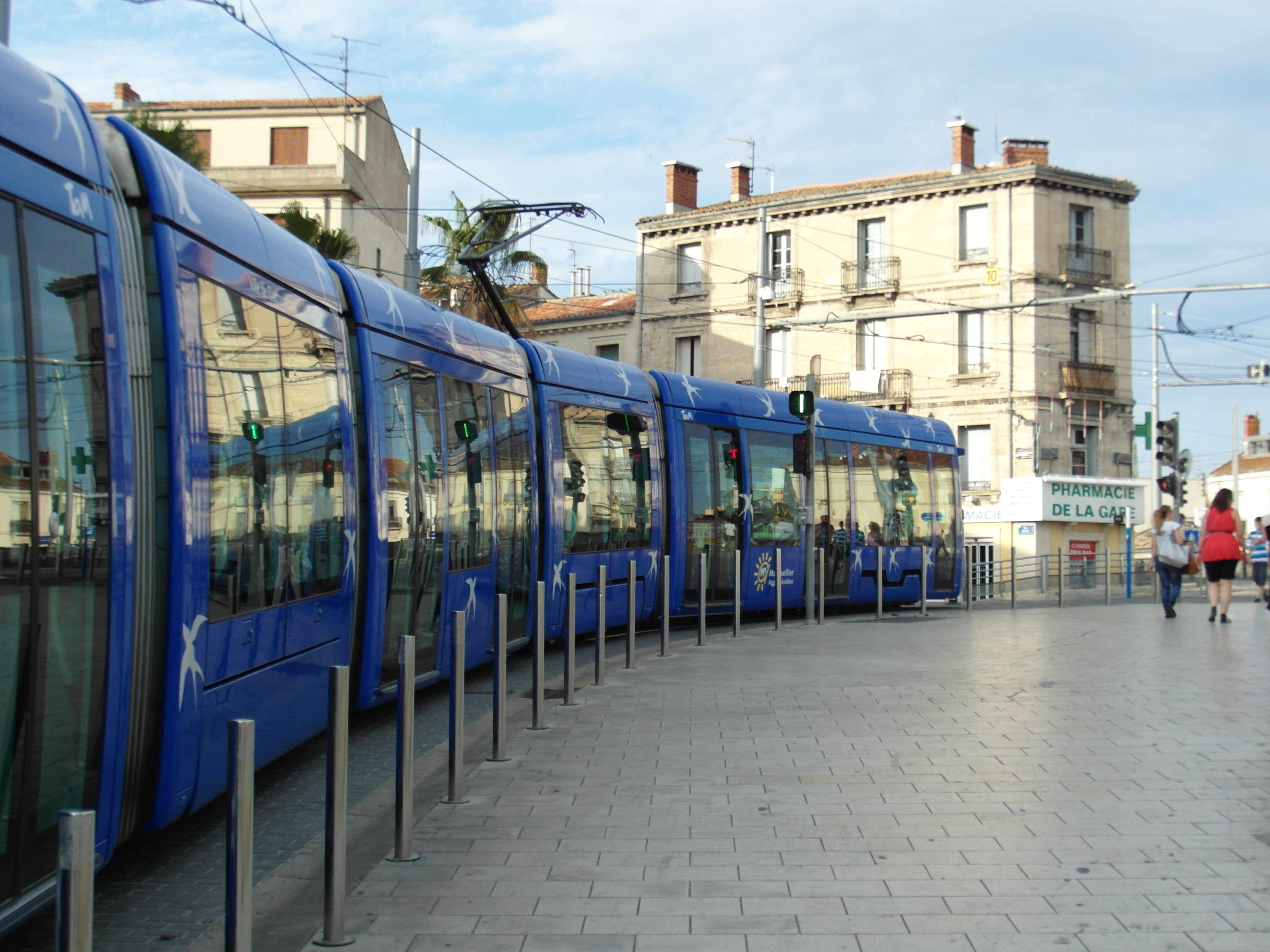 File montpellier tramway centre de la ville for Piscine montpellier