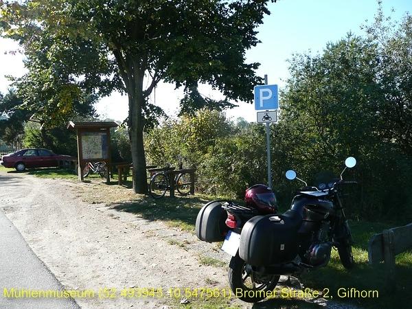 Motorradparkplatz am Mühlenmuseum
