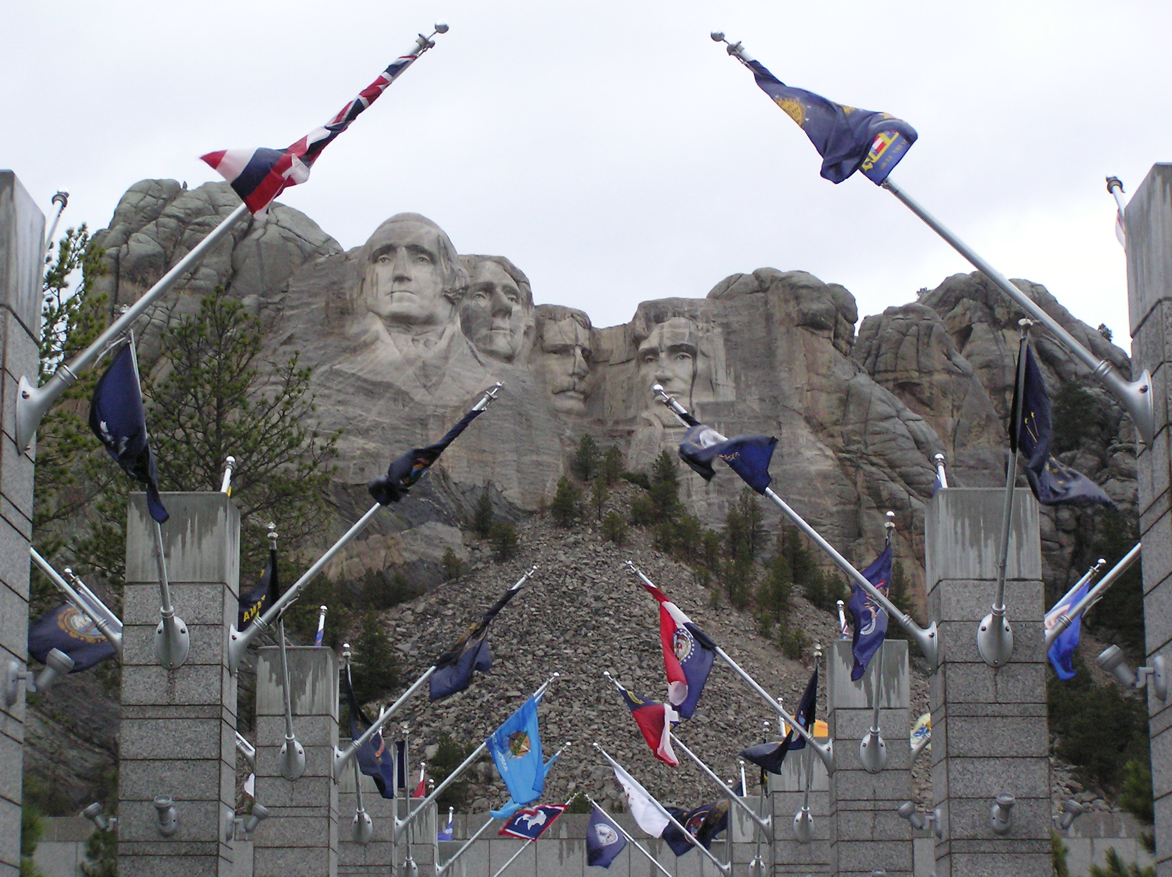 Worksheet Building Mount Rushmore carved by dynamite massive founding fathers at mt rushmore 34 pics photo 3 scott catron