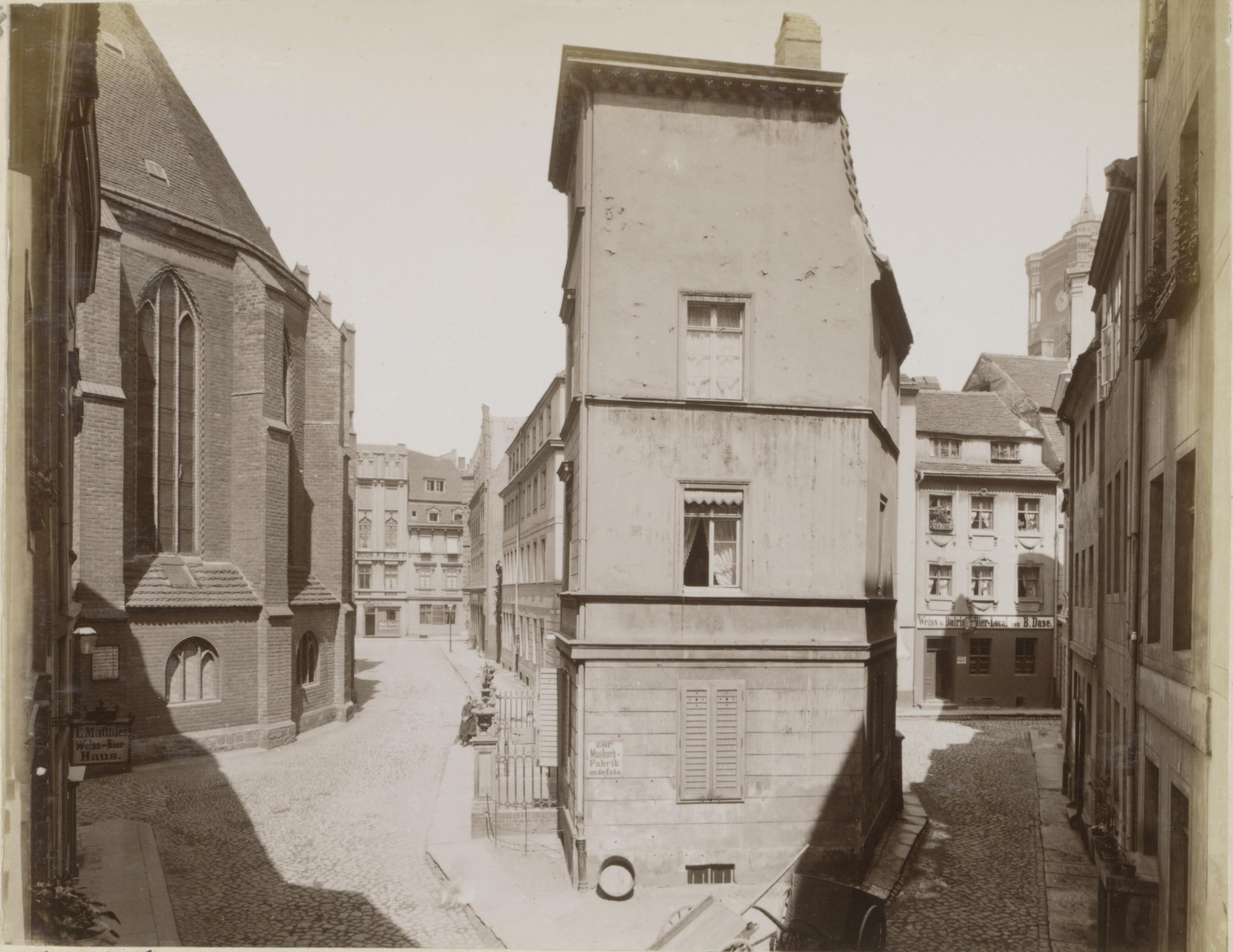 Nikolaiviertel, Berlin 1880.jpg