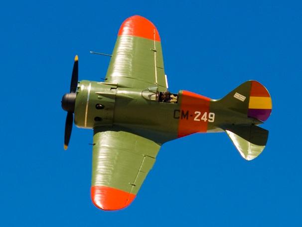 Hilo sobre las aviadoras y los aviadores del socialismo (Corea, URSS, Vietnam...) - Página 3 Polikarpov_I-16-Spain_%28clipped%29