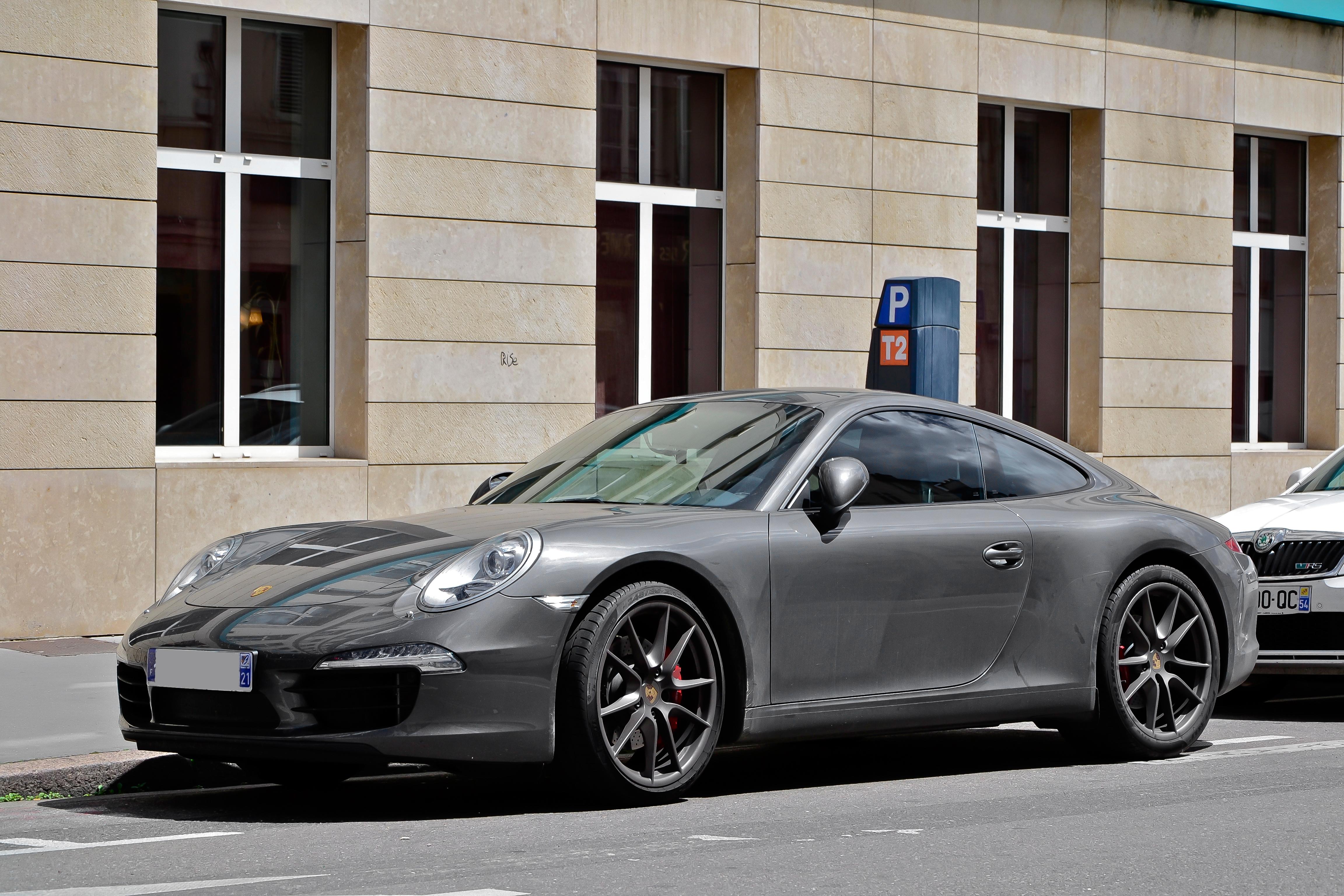 File:Porsche 911 Carrera S (7170127281).jpg - Wikimedia Commons