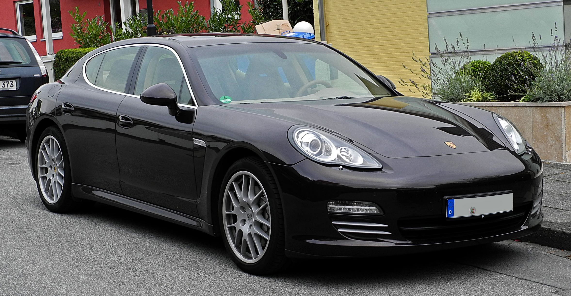 file porsche panamera 4s 970 frontansicht 20 september 2011 w wikimedia commons. Black Bedroom Furniture Sets. Home Design Ideas