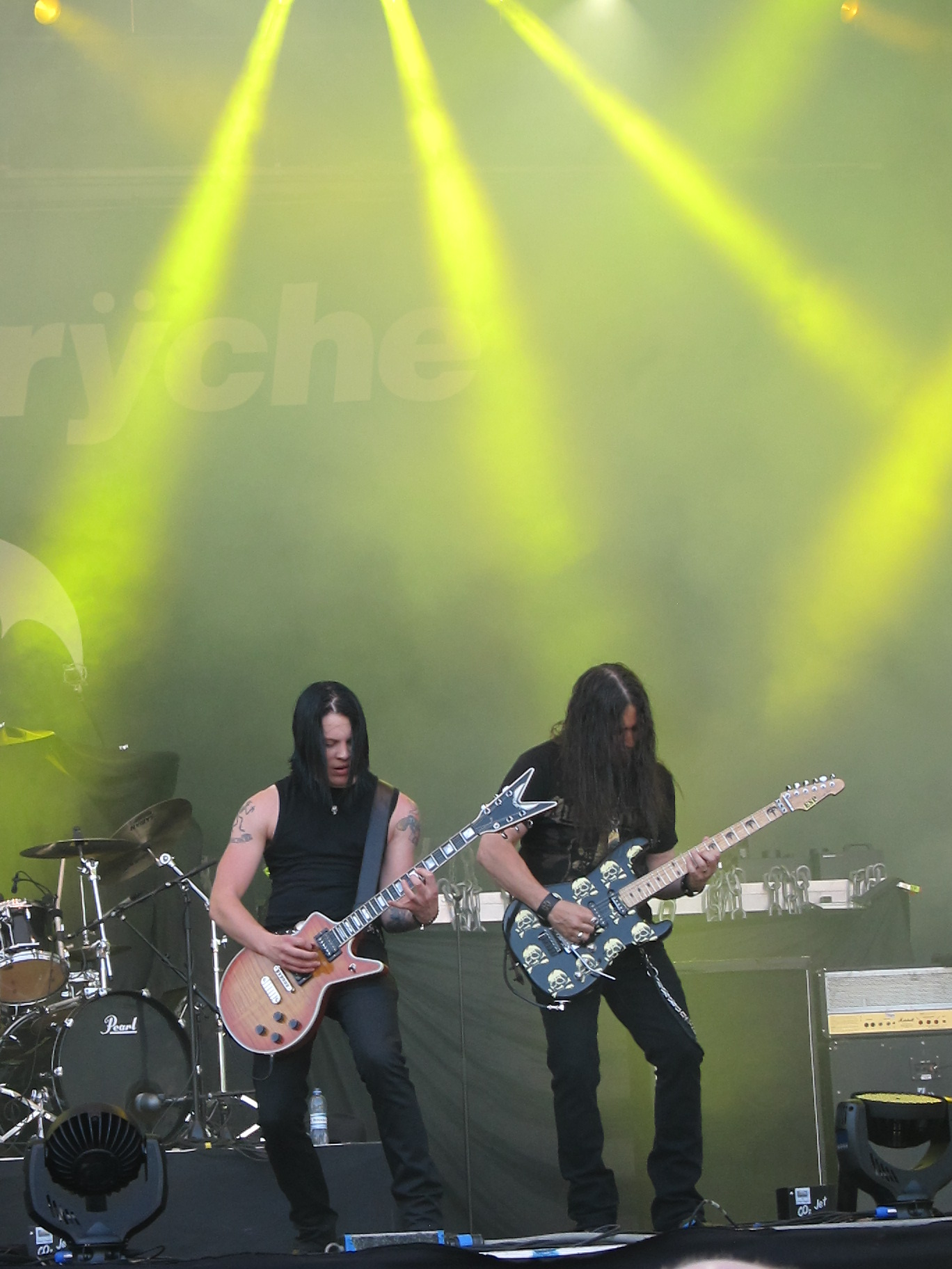 Progressive Metal Queensr%C3%BFche,_p%C3%A4%C3%A4lava,_Sauna_Open_Air_2011,_Tampere,_11.6.2011_(17)