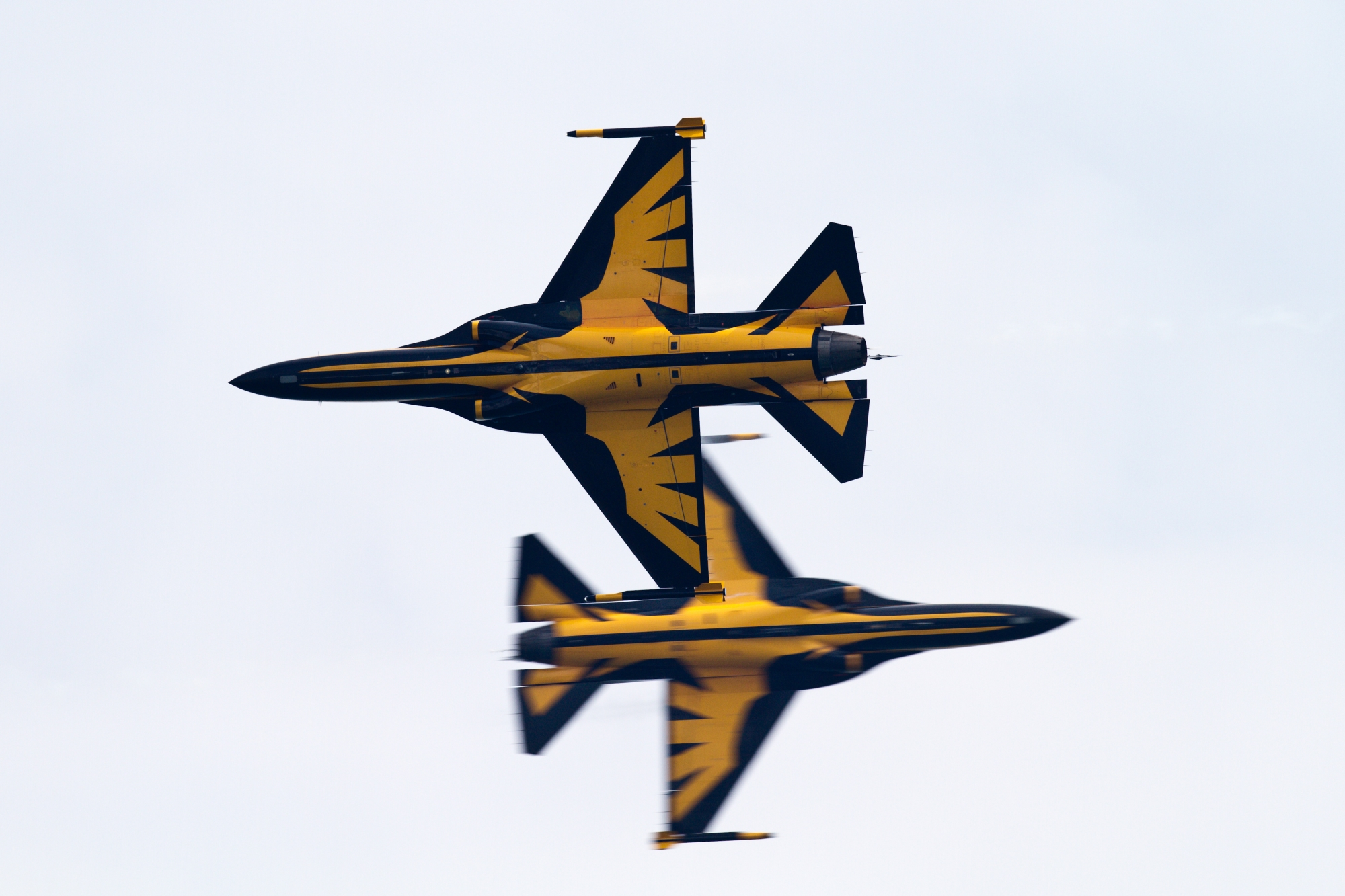 File:RoKAF Black Eagles Singapore Airshow 2014.jpg - Wikimedia Commons