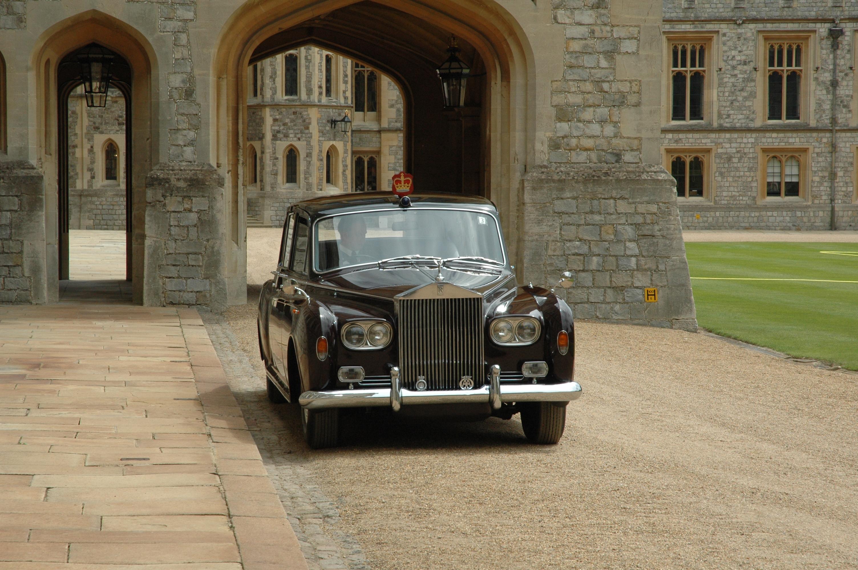 File:Rolls-Royce Phantom VI 2009 State Limousine Windsor Castle.jpg ...