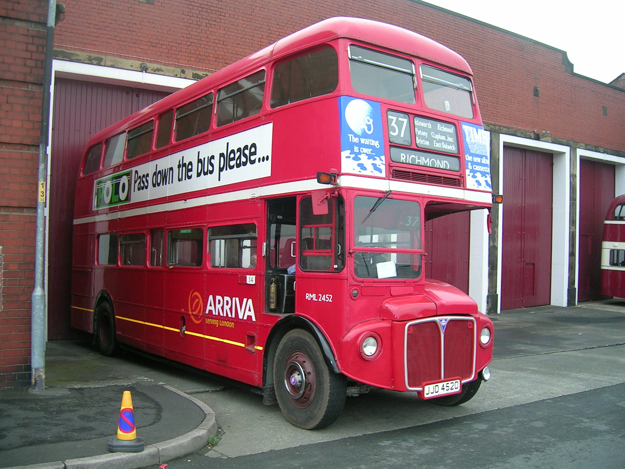 File:Routemaster RML 2452.jpg