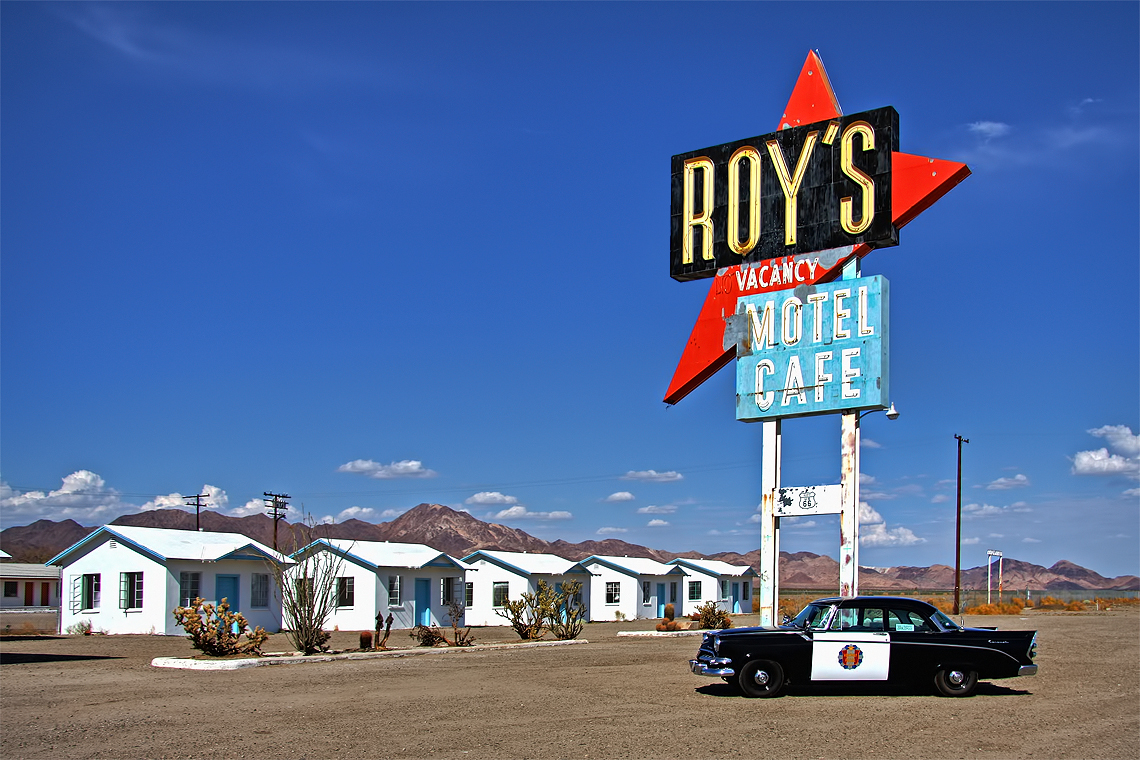 Roy's Motel and Café - Wikipedia