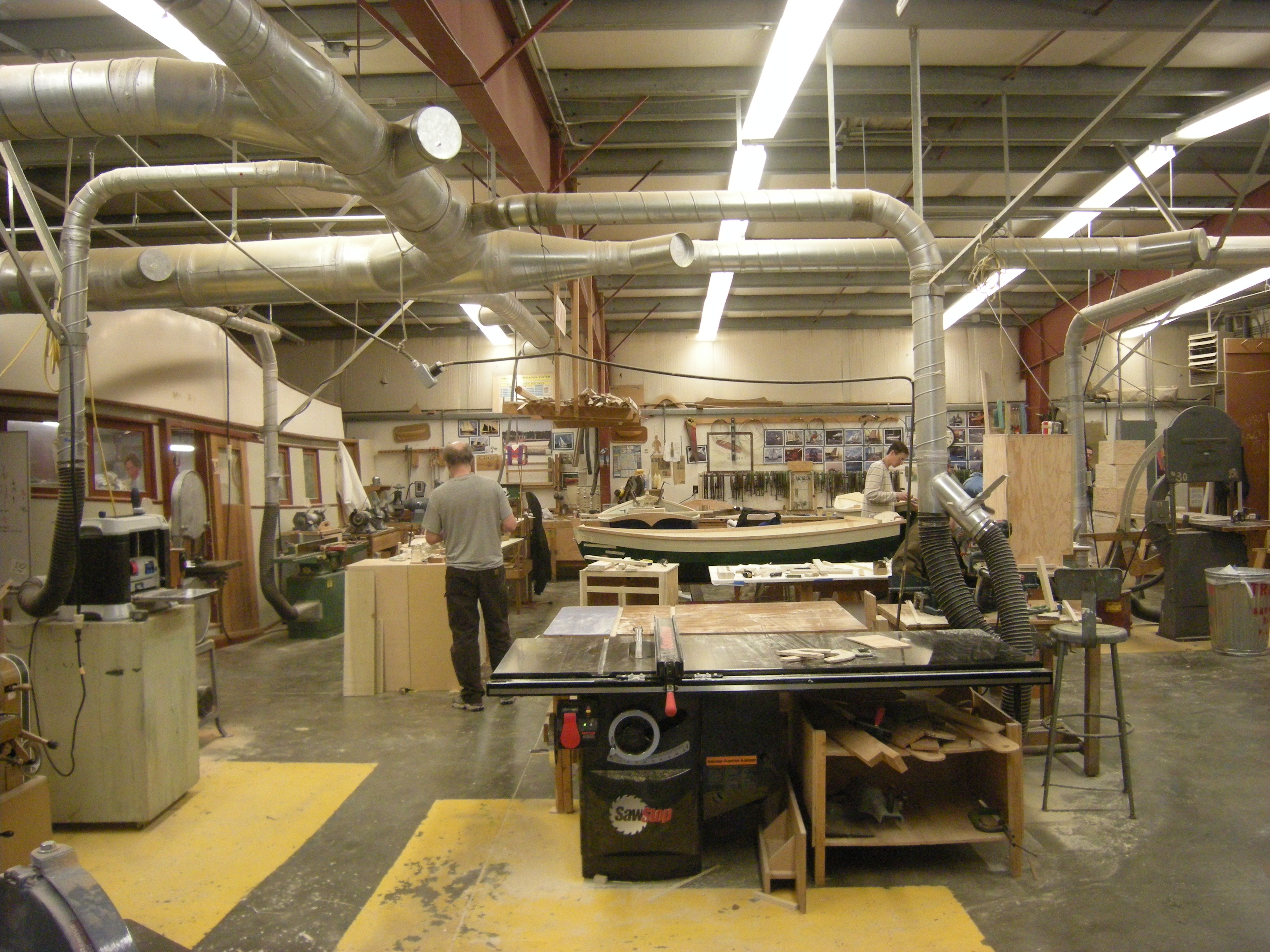 File:SCCC Wood Construction Facility - cabinetry shop 01.jpg - Wikimedia Commons