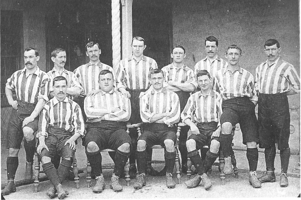 The 1901 losing Cup Final team; Hedley is standing on the left.
