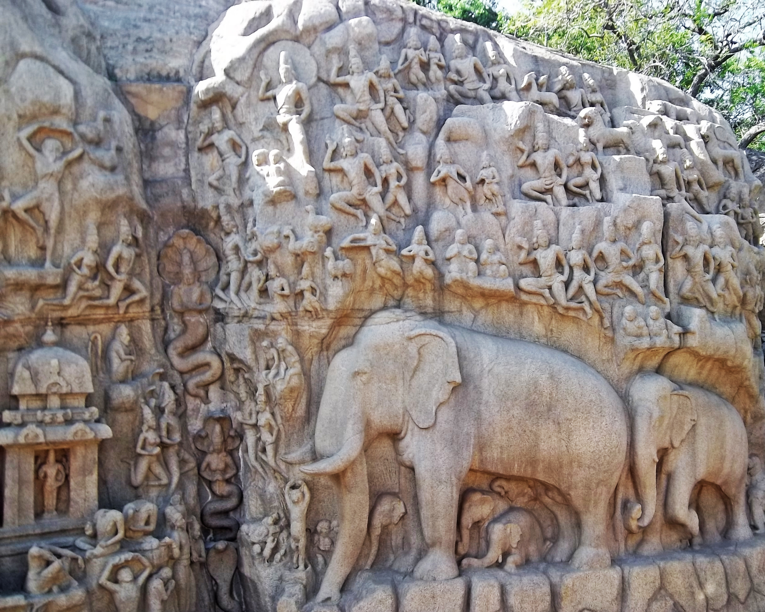 File stone sculpture representing the group of elephants