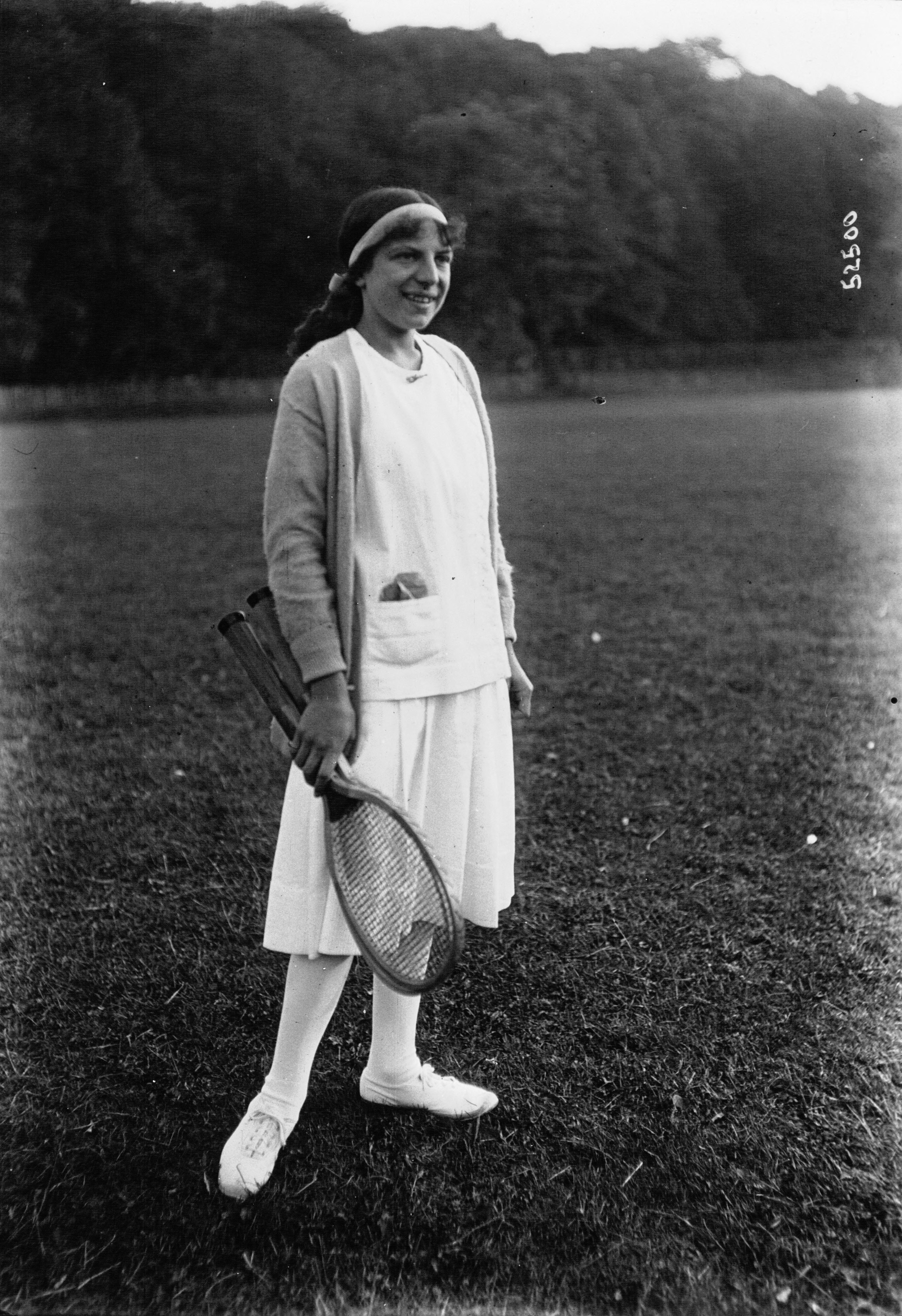 File Suzanne Lenglen 1914 Wikimedia mons