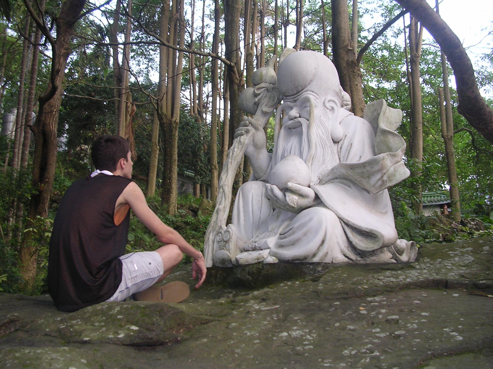 FileTaiwanese Temple Near Taizhong Meditation With Statue