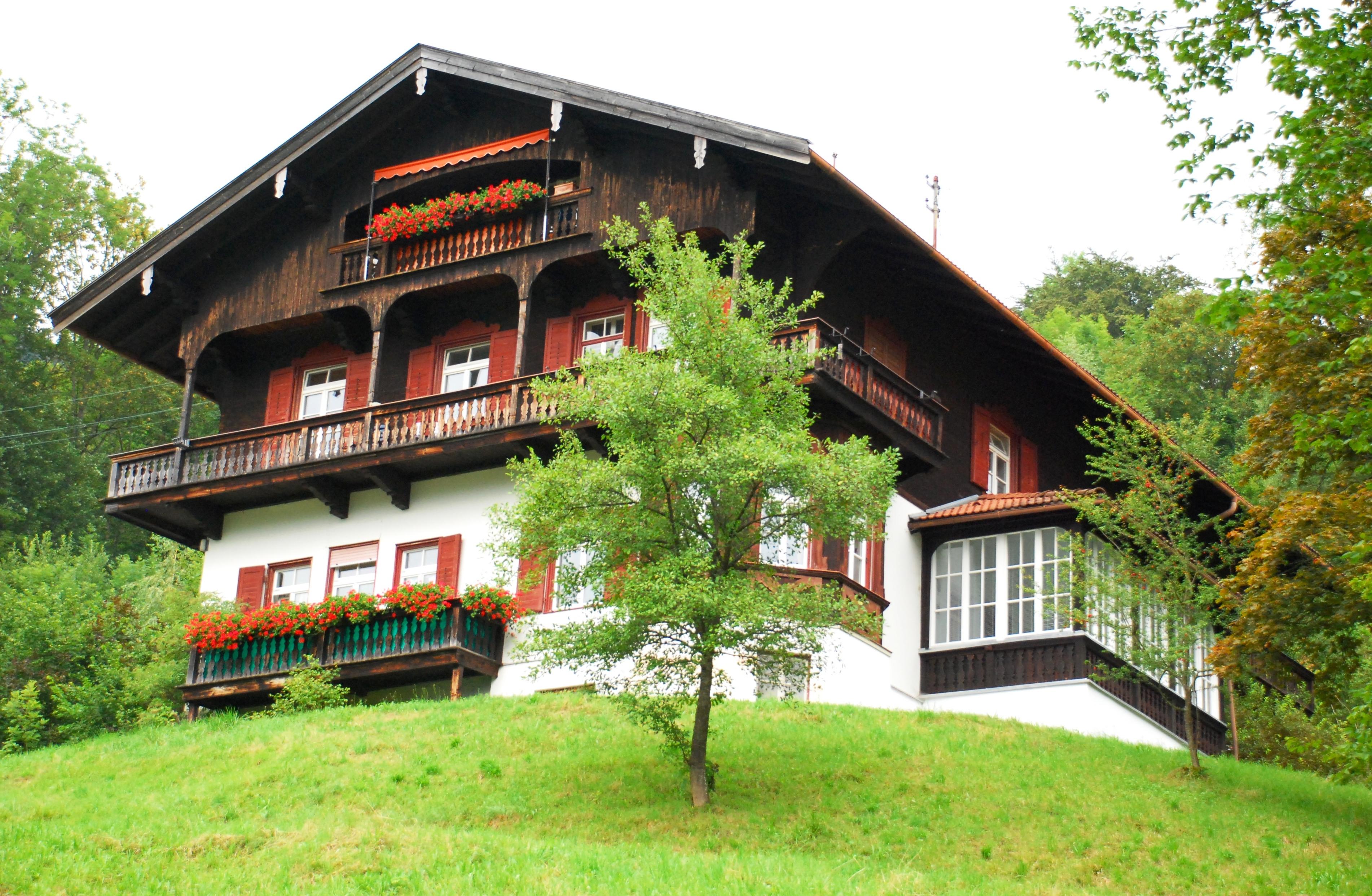 File Tegernsee Courths Mahler Haus JPG Wikimedia mons