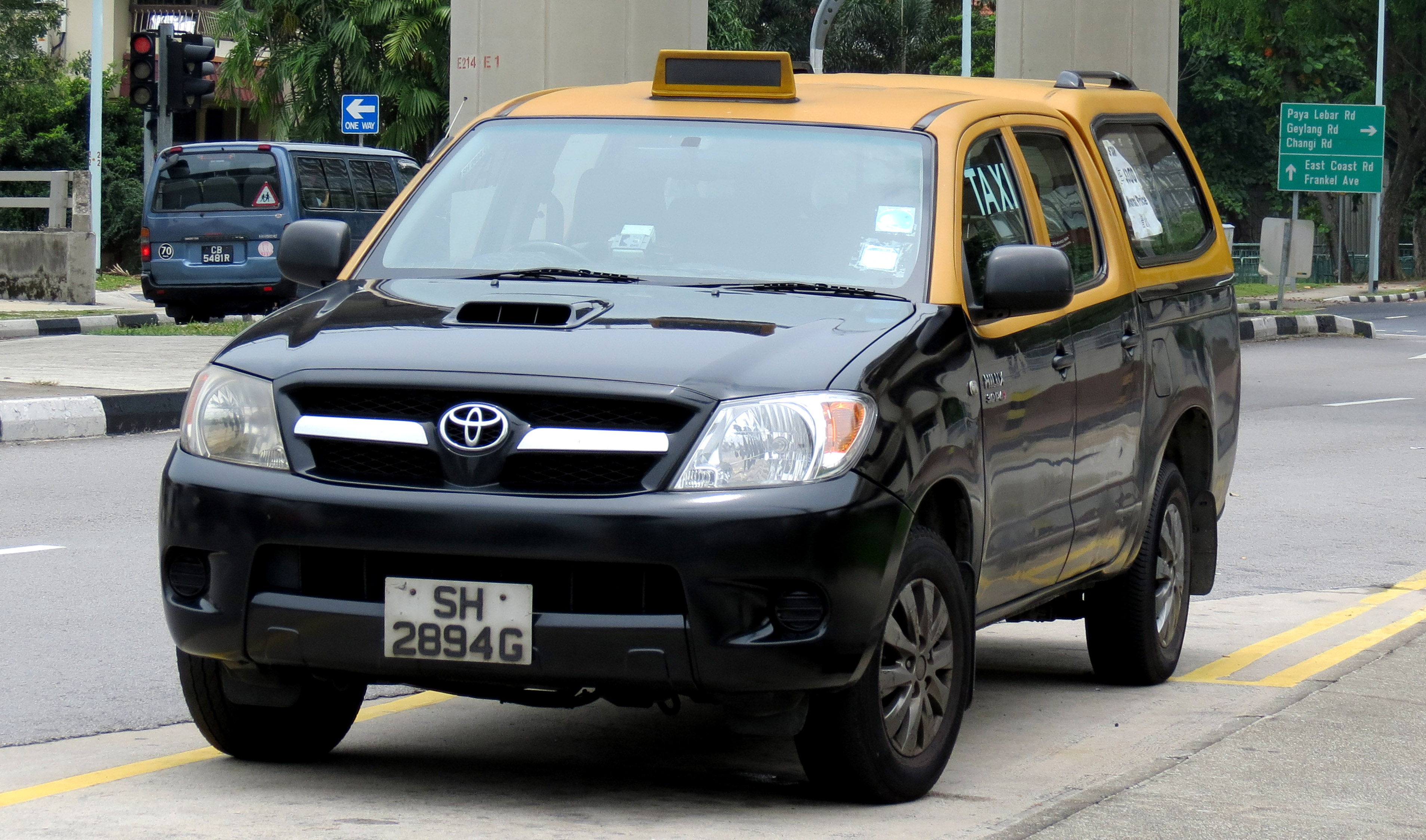 File toyota hilux yellow top cab jpg