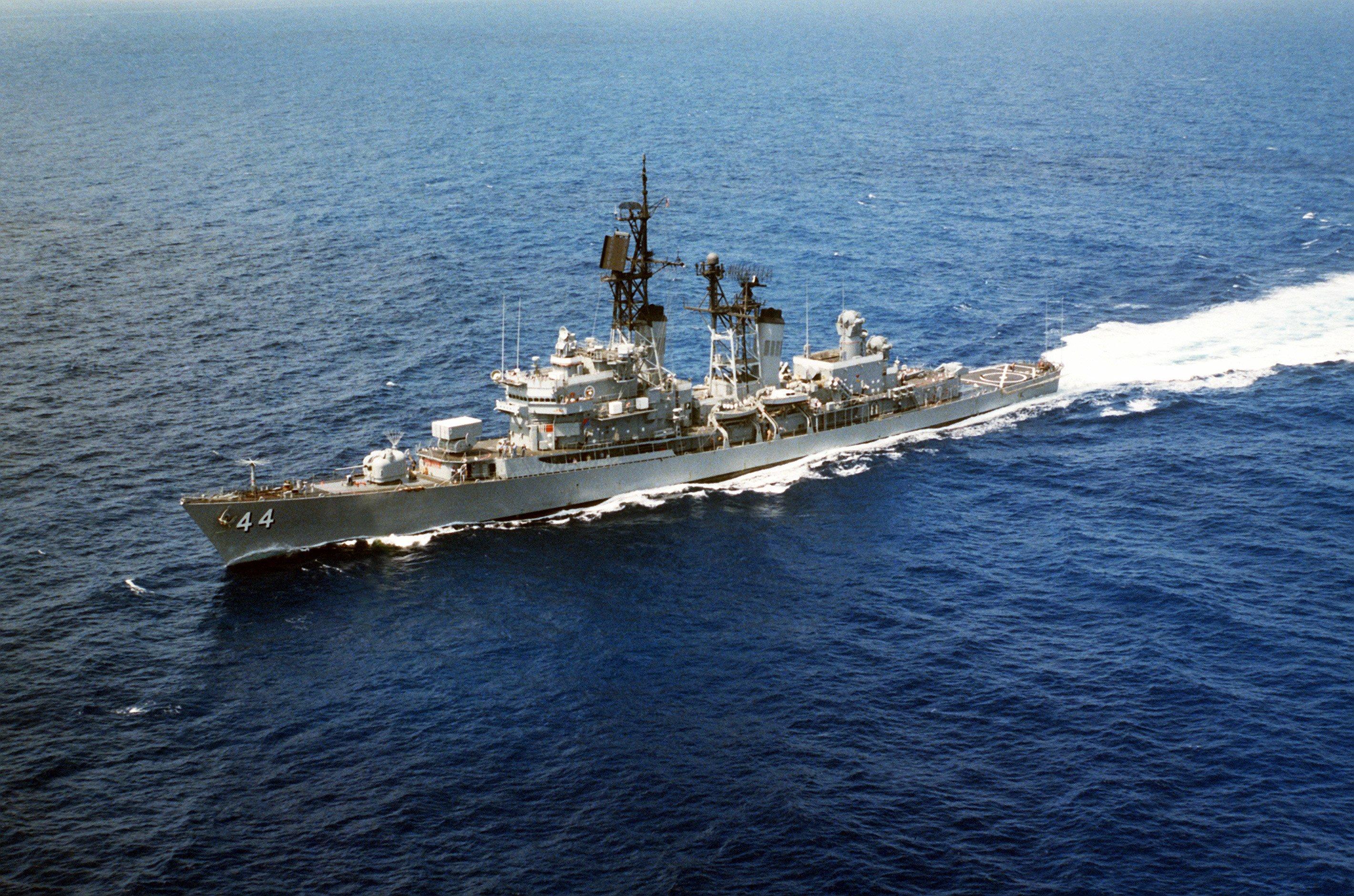 USS William V. Pratt (DDG-44), 1987.