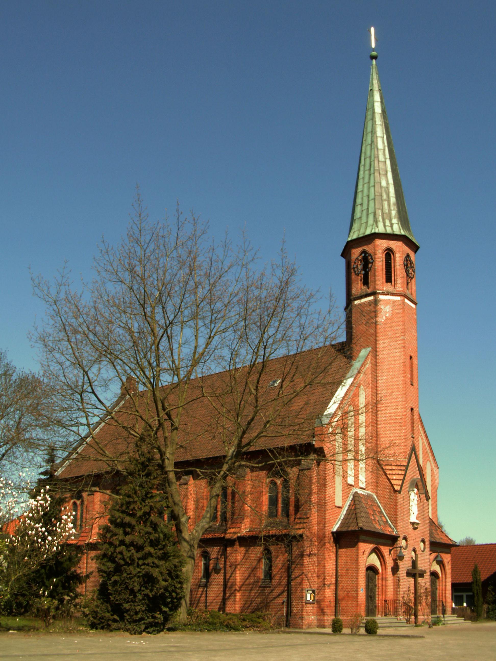 Kath Kirche Neubrandenburg