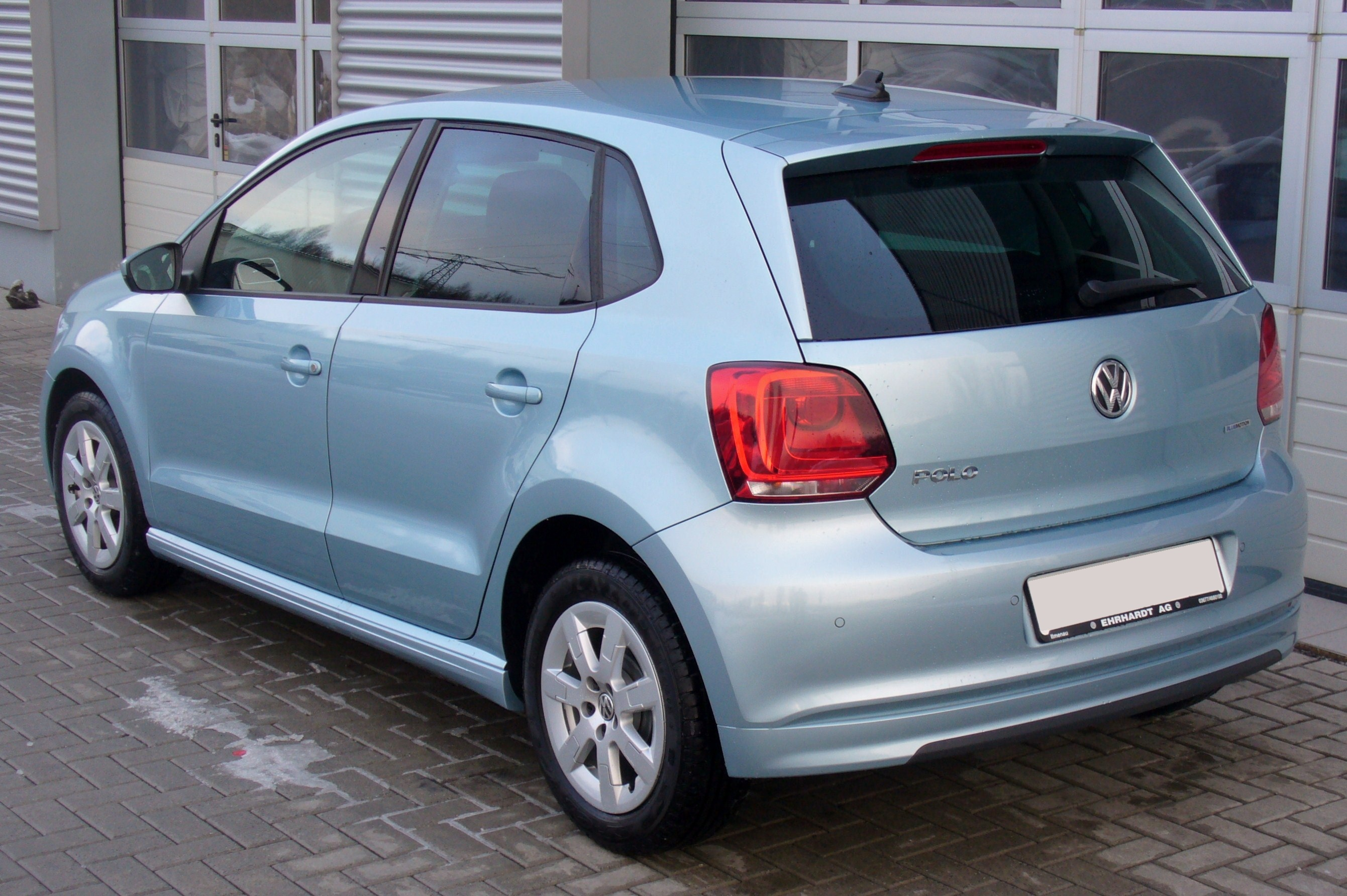file:vw polo v 1.2 tdi bluemotion glacierblau interieur