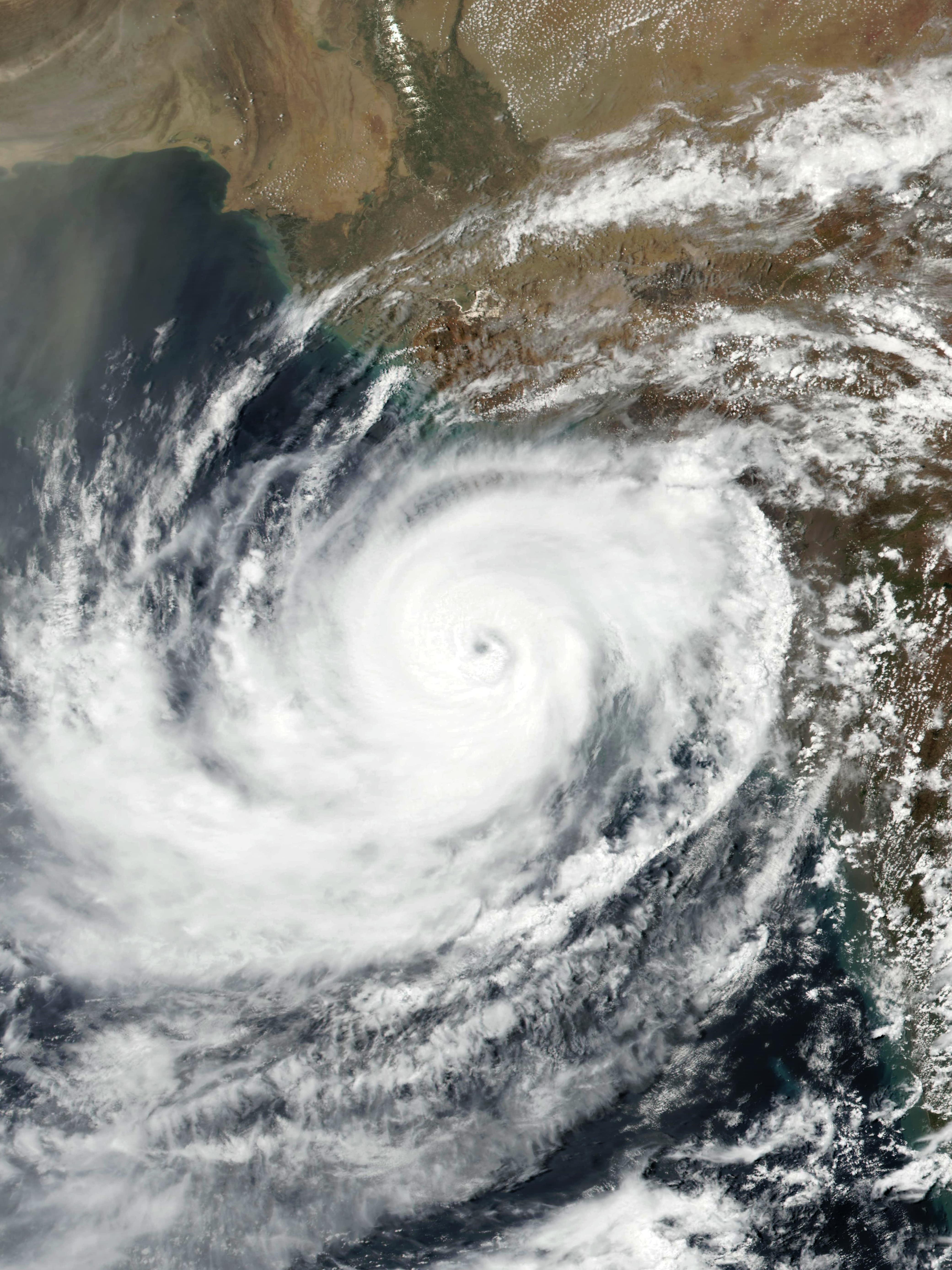 Cyclone Vayu - Wikipedia