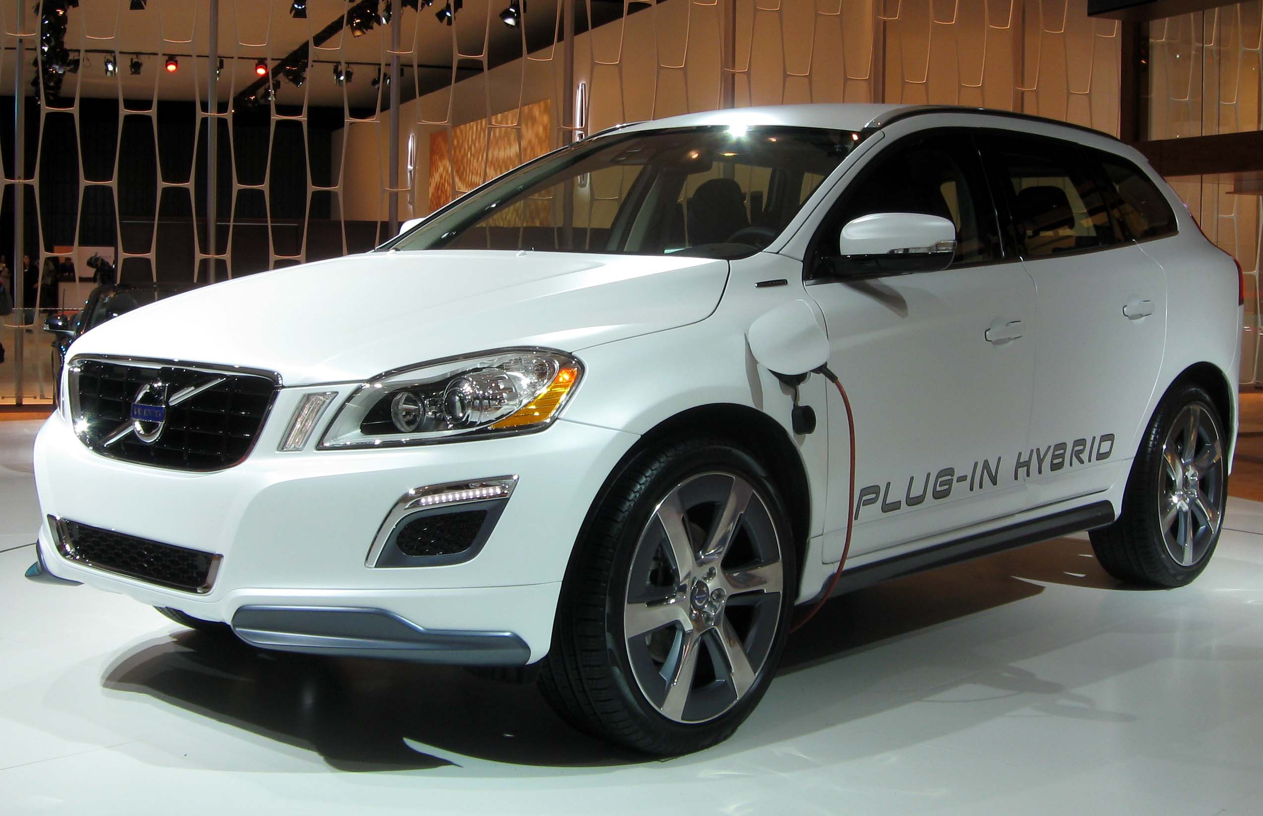 file volvo xc60 plug in hybrid 2012 nyias jpg wikimedia commons. Black Bedroom Furniture Sets. Home Design Ideas