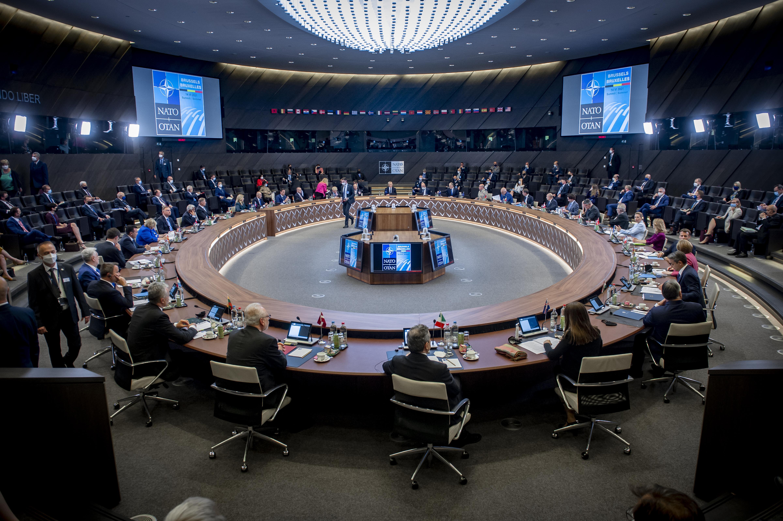 https://upload.wikimedia.org/wikipedia/commons/5/5e/%D0%9D%D0%90%D0%A2%D0%9E_%D0%A1%D0%B0%D0%BC%D0%B8%D1%82_2021_NATO_Summit_2021_-14.06.2021-_%2851246907423%29.jpg
