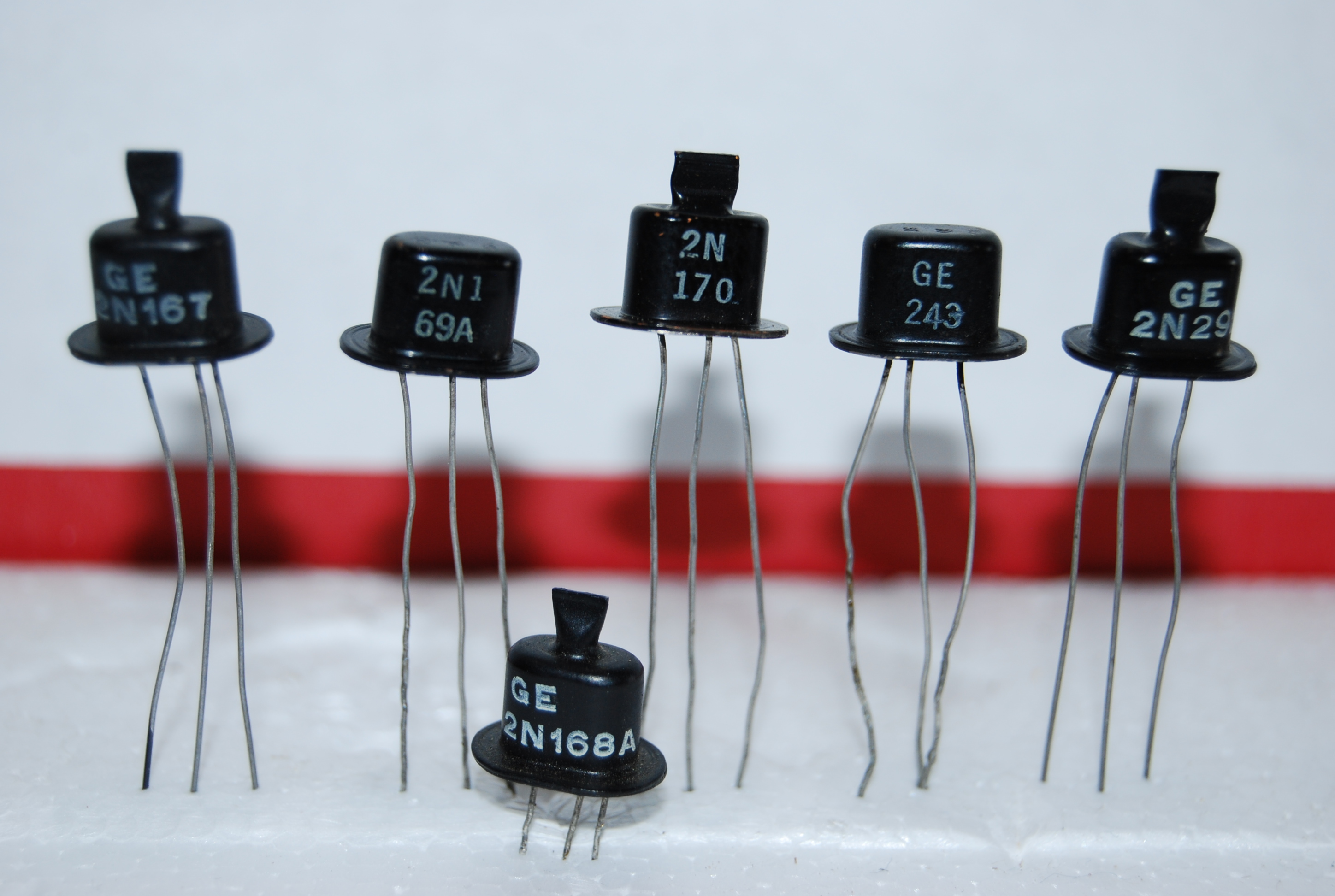 File1950 Npn General Electric Transistors Wikimedia Commons Electronic Component Wikipedia The Free Encyclopedia