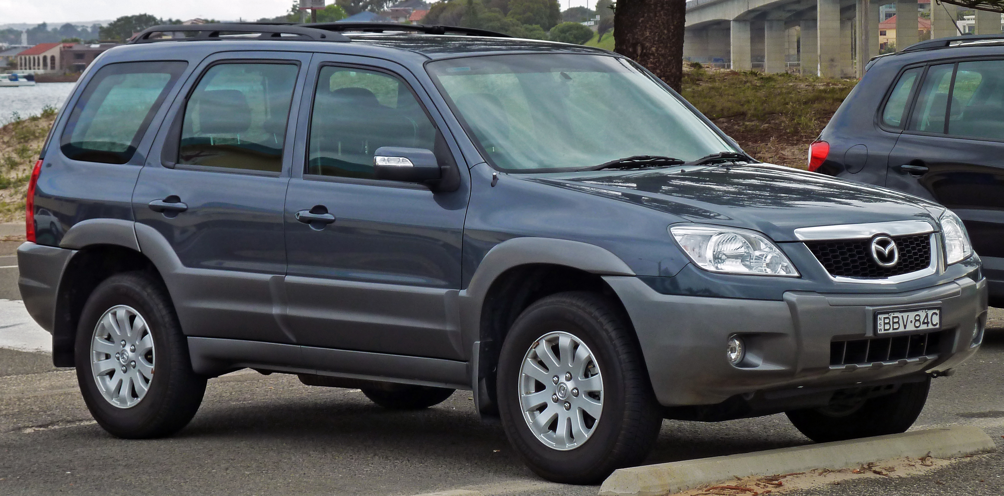 File:2007 Mazda Tribute (MY06) V6 wagon (2010-09-19