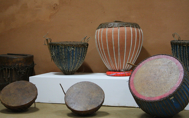 File:6 ancient drum types of Madhya Pradesh, Indian subcontinent.jpg