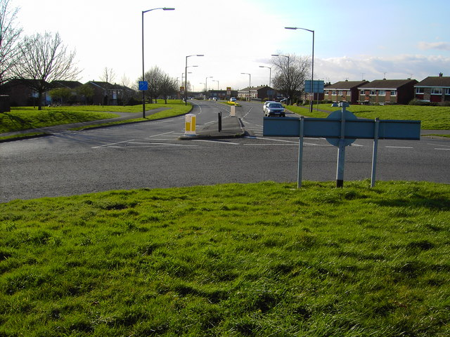File:A view west from a roundabout in Yate, Bristol - geograph.org.uk - 364798.jpg